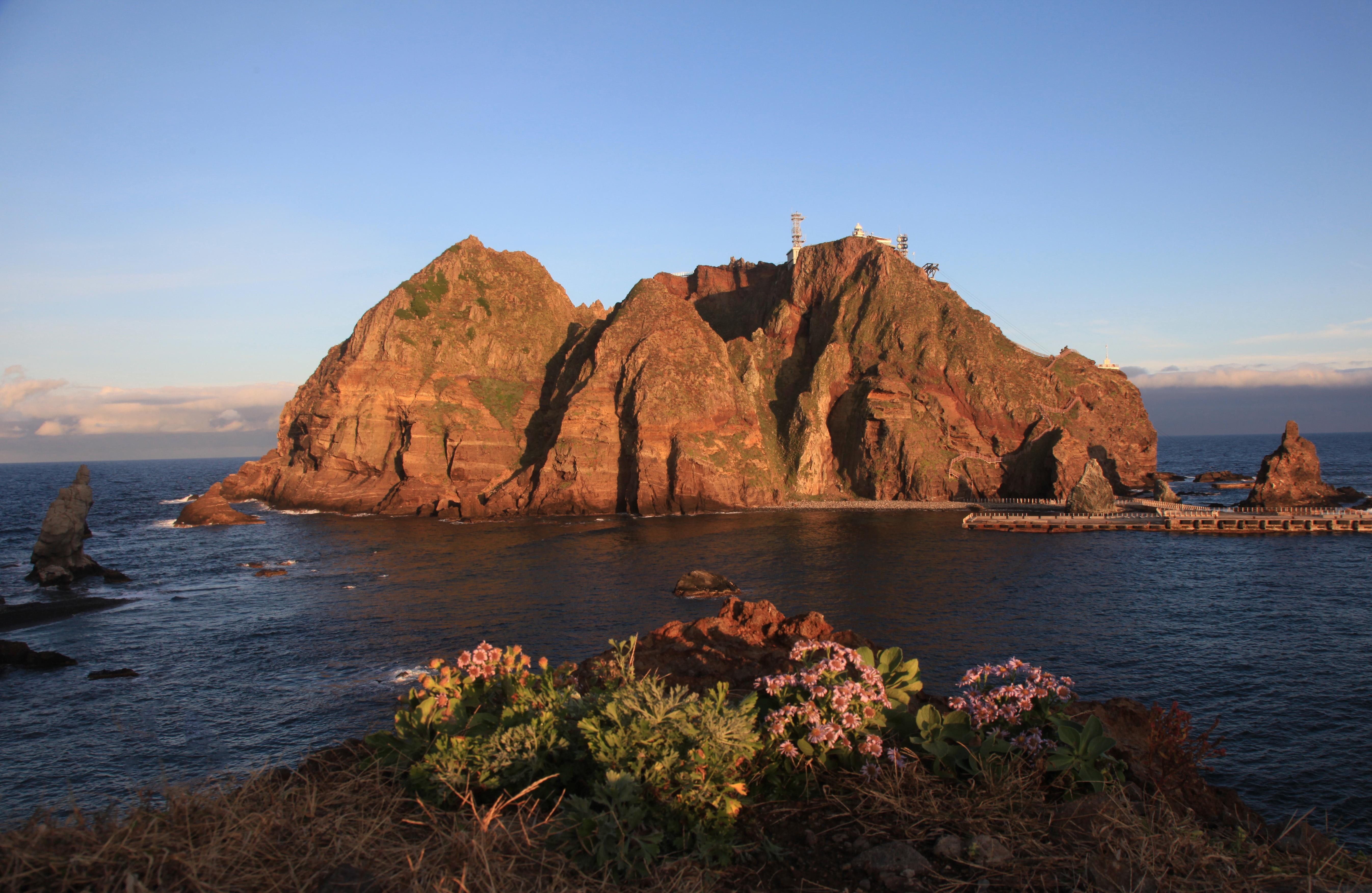 71940 Screensavers and Wallpapers Island for phone. Download Nature, Rocks, Island, Dokdo, Korea, Gyeongsangnam-Do, Kensan-Namdo pictures for free