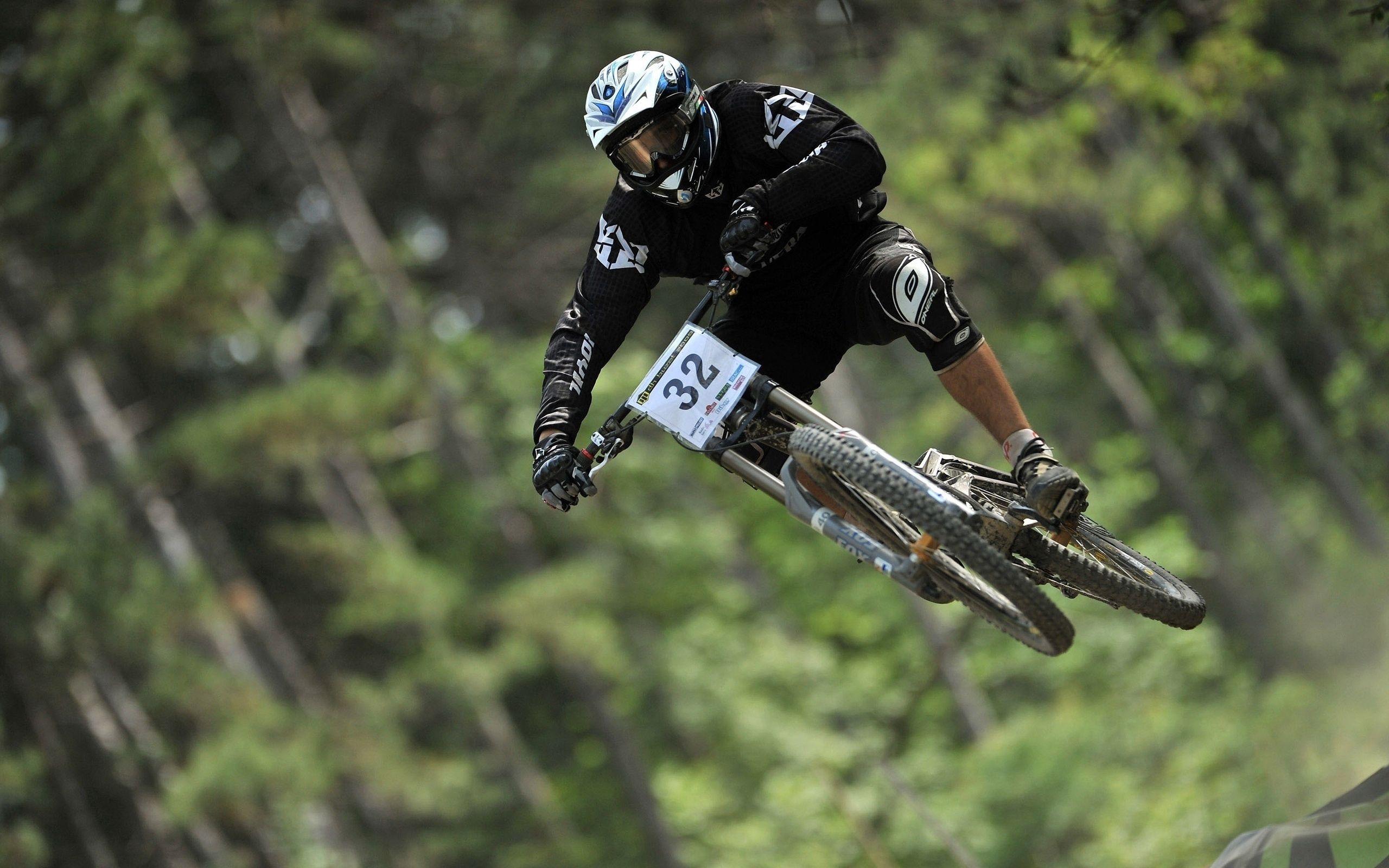 117228 скачать обои Спорт, Велосипед, Полет, Велоспорт, Downhill - заставки и картинки бесплатно