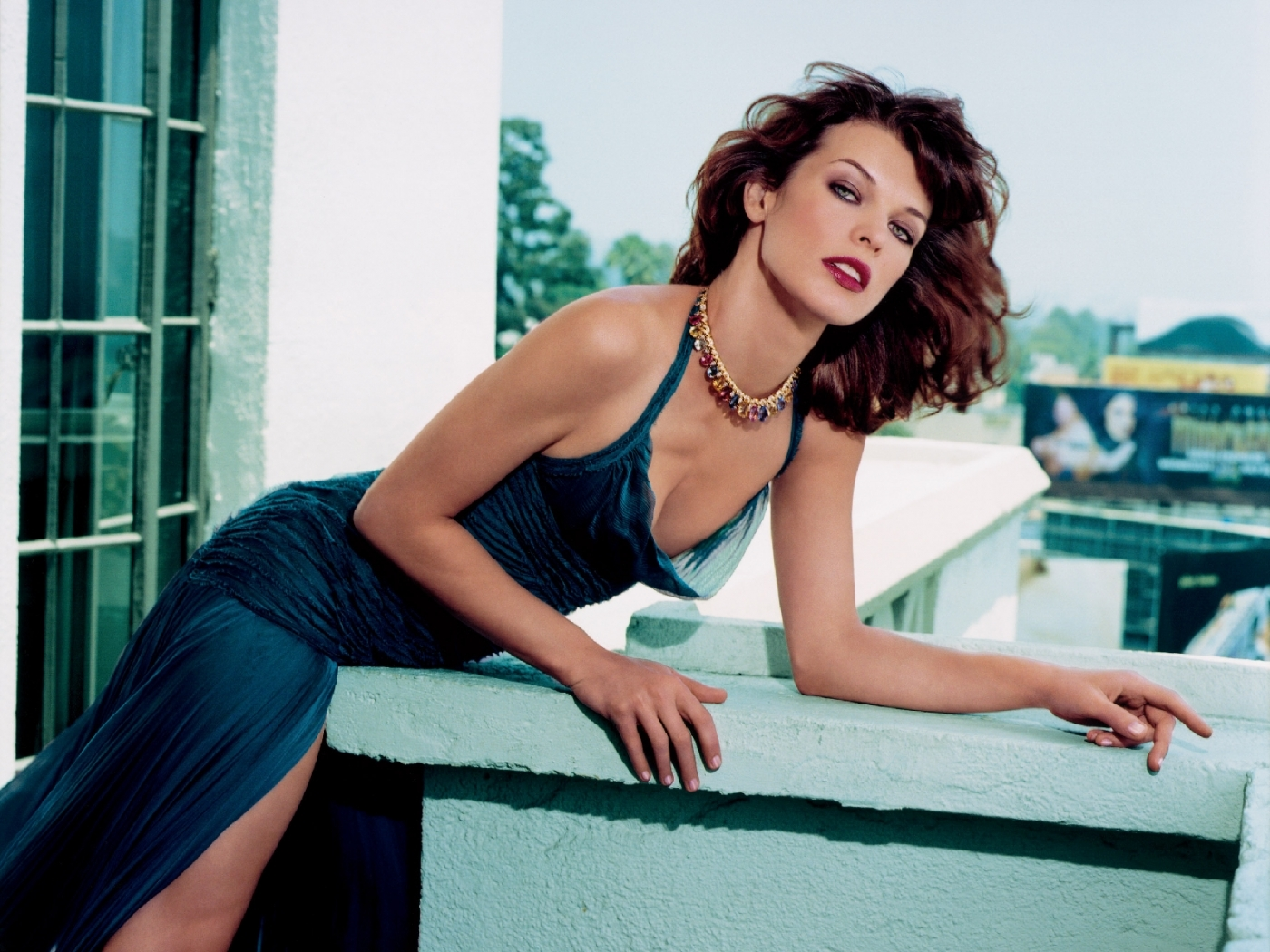 Popular Milla Jovovich images for mobile phone