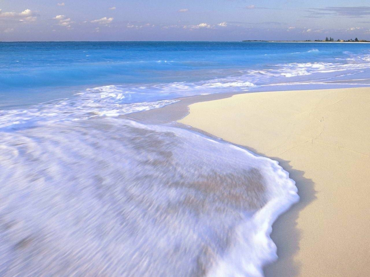 23515 скачать обои Пейзаж, Море, Волны, Пляж - заставки и картинки бесплатно