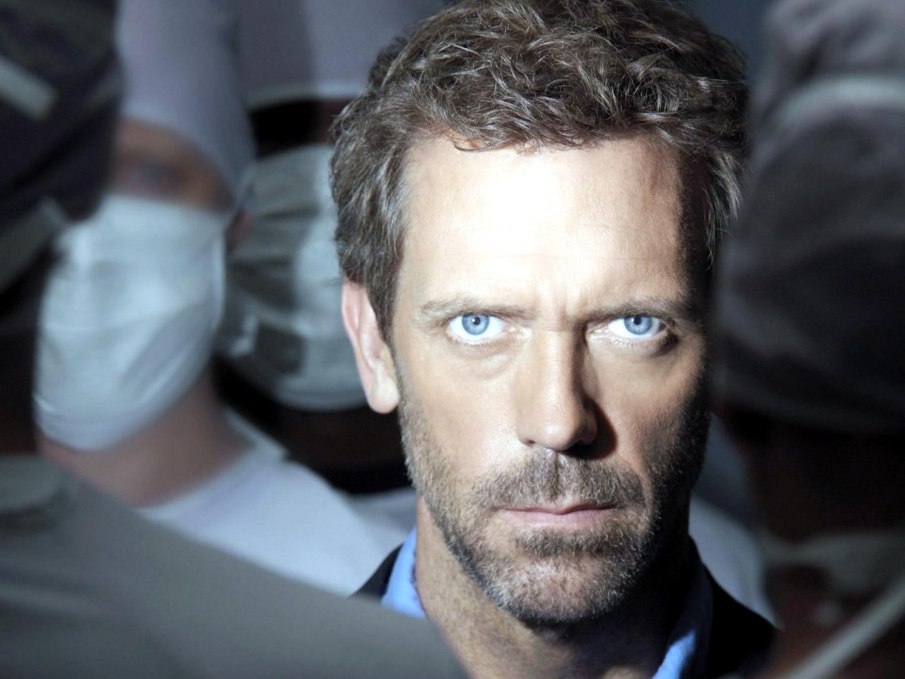 2423 download wallpaper Cinema, People, Actors, Men, House M.d., Hugh Laurie screensavers and pictures for free