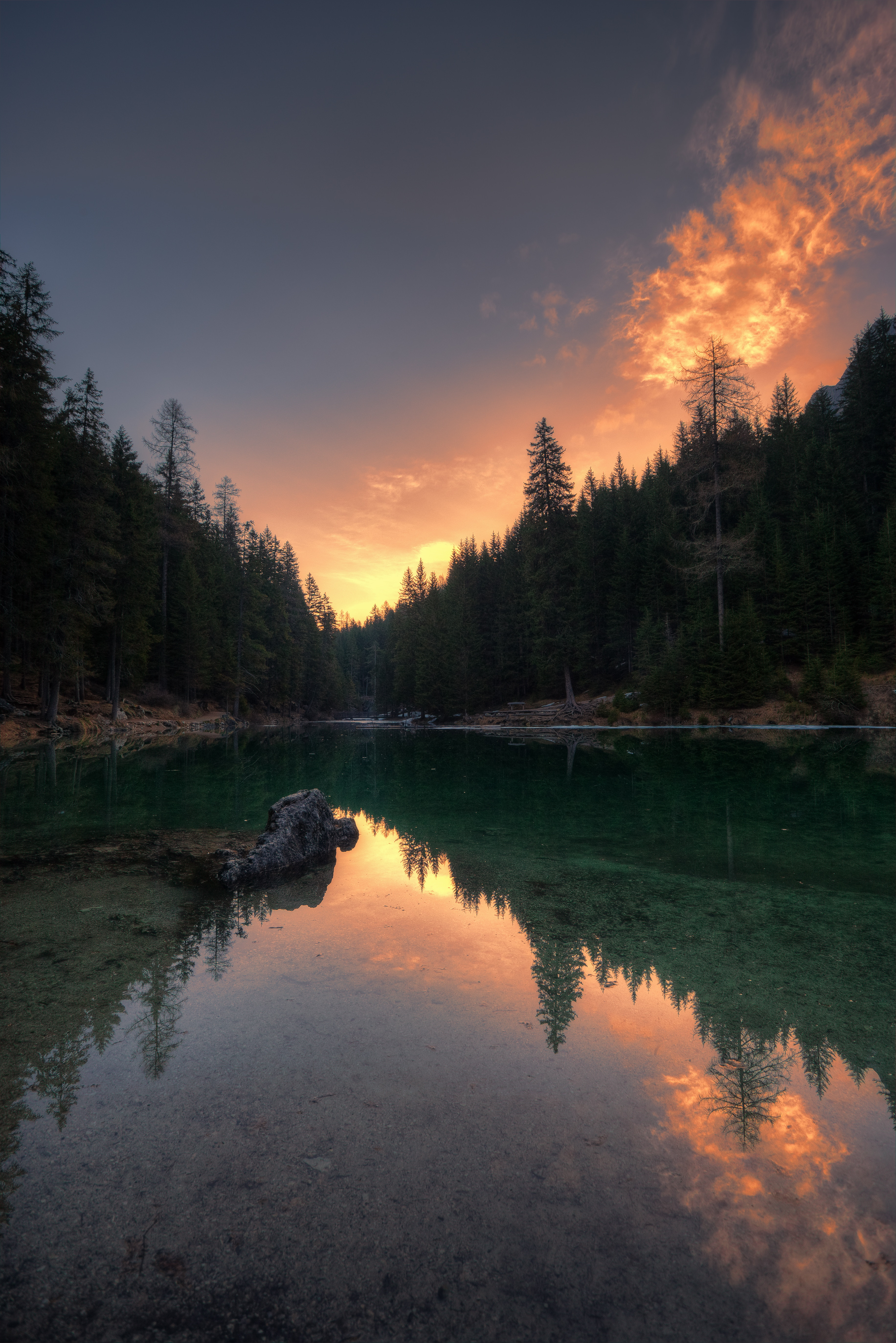 84924 скачать обои Италия, Отражение, Озеро, Природа, Деревья, Озеро Брайес - заставки и картинки бесплатно