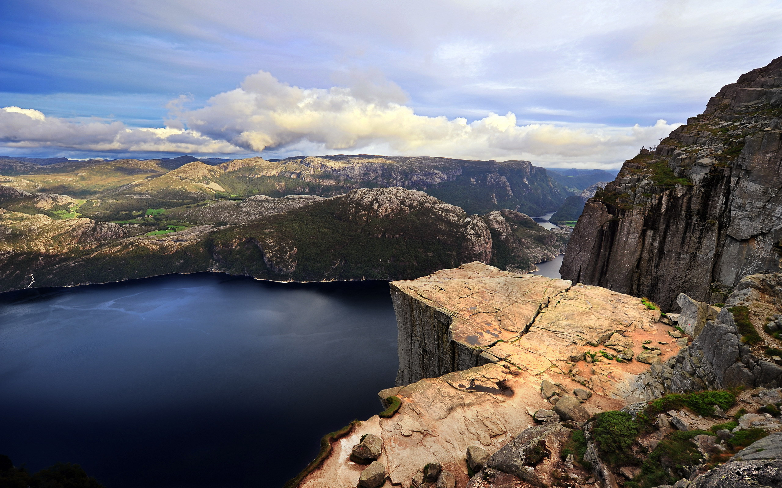 33364 download wallpaper Landscape, Rivers, Mountains screensavers and pictures for free