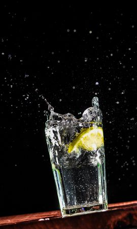 141445 download wallpaper Macro, Glass, Lemon, Spray, Drops, Liquid, Water screensavers and pictures for free