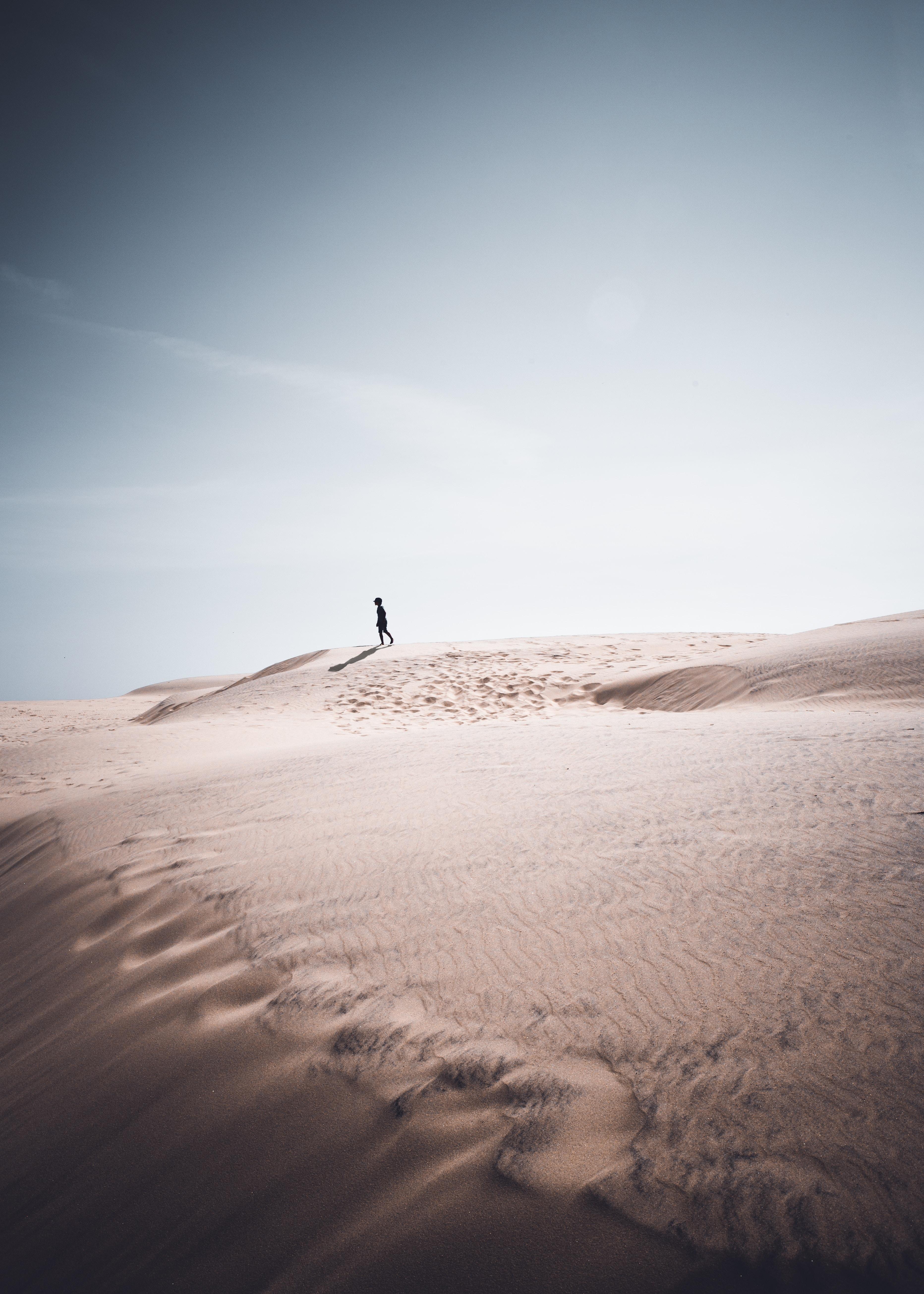 107373 Заставки и Обои Песок на телефон. Скачать Песок, Природа, Силуэт, Одиночество картинки бесплатно