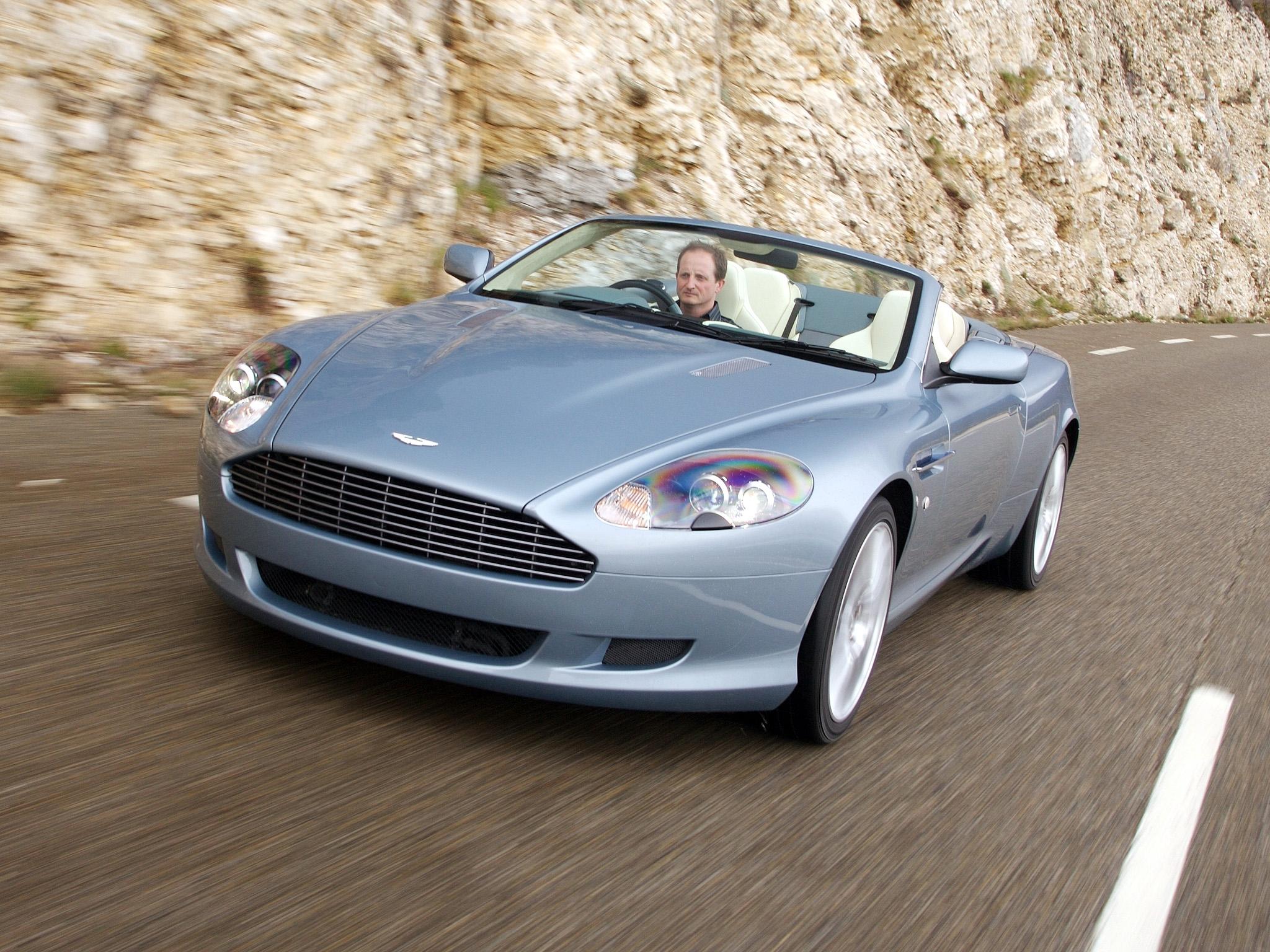 131953 скачать обои Спорт, Машины, Астон Мартин (Aston Martin), Тачки (Cars), Голубой, Вид Спереди, Скорость, 2004, Db9 - заставки и картинки бесплатно