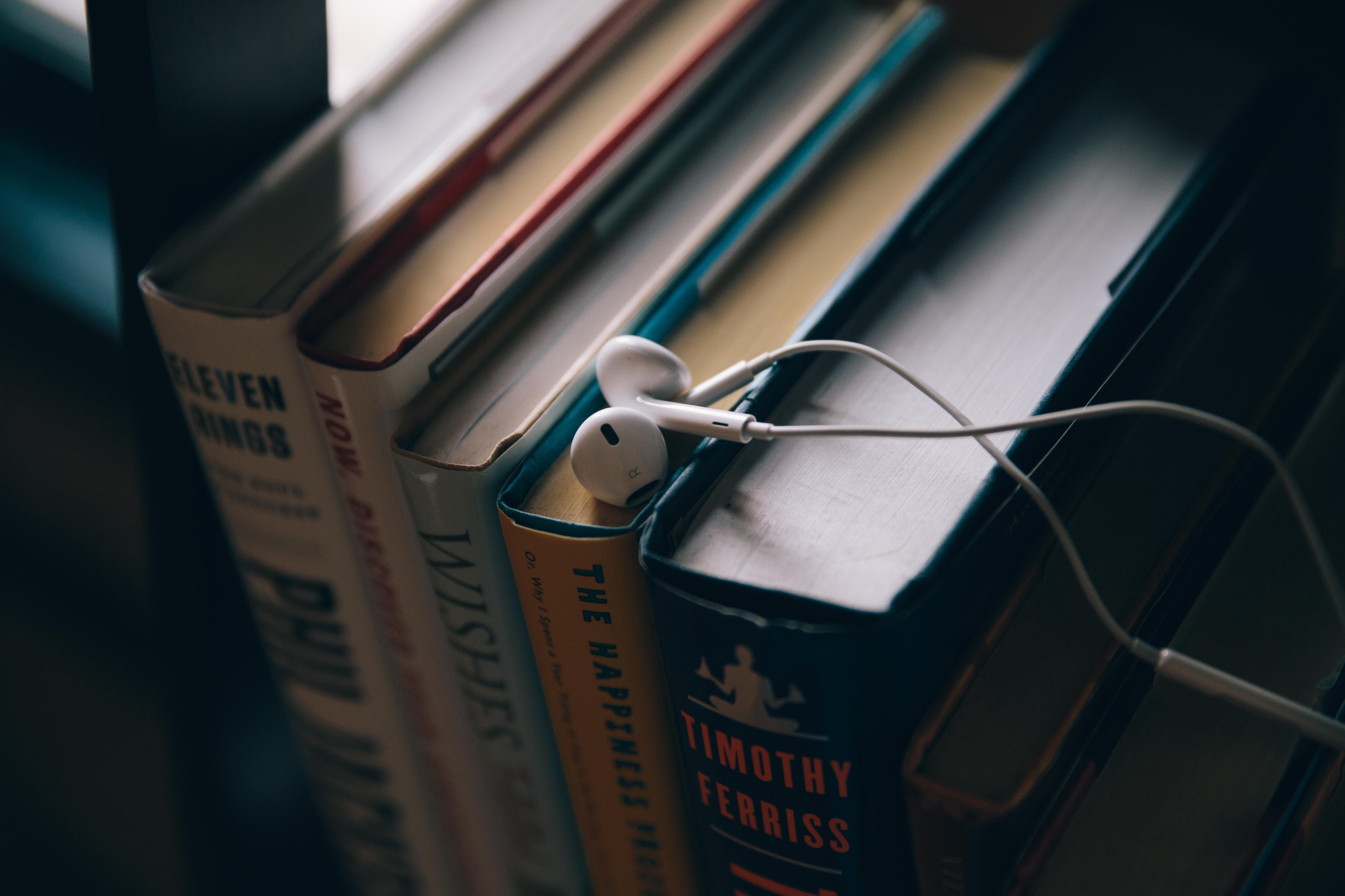 89100 Hintergrundbild herunterladen Musik, Kopfhörer, Bücher, Bildung - Bildschirmschoner und Bilder kostenlos