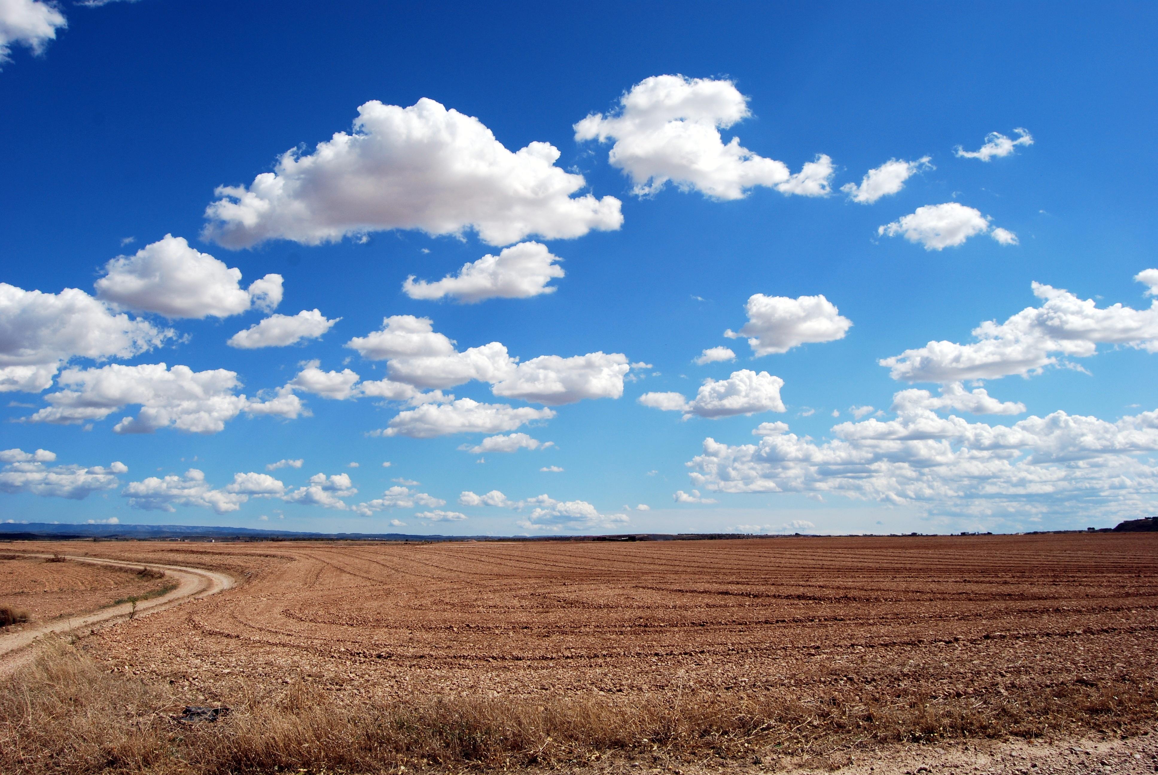 Скачать обои Облака на телефон бесплатно