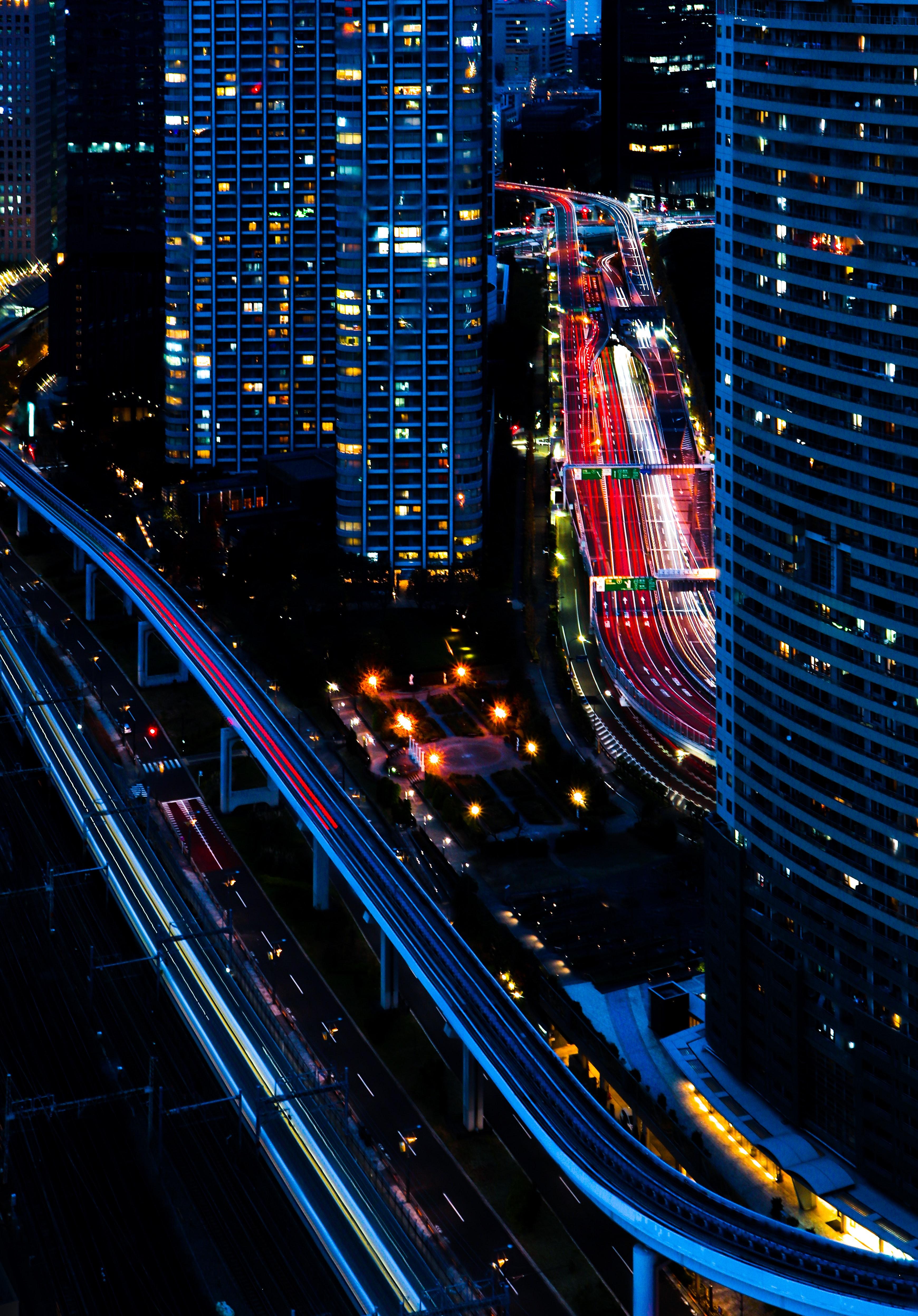 130552 Hintergrundbild herunterladen Städte, Roads, Übernachtung, Stadt, Gebäude, Blick Von Oben, Dunkel - Bildschirmschoner und Bilder kostenlos