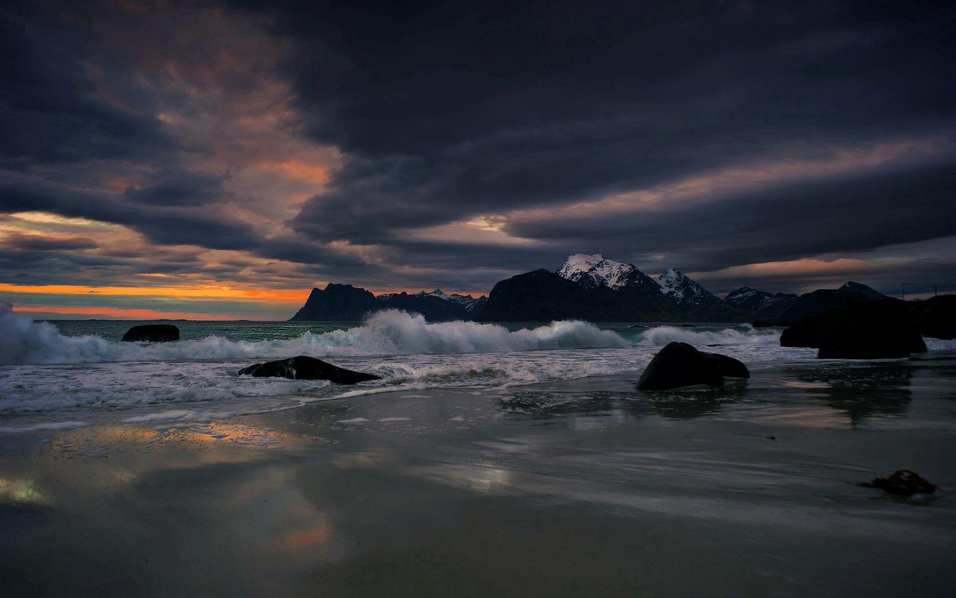 97445 скачать обои Море, Камни, Вечер, Природа, Вода, Брызги, Прибой - заставки и картинки бесплатно