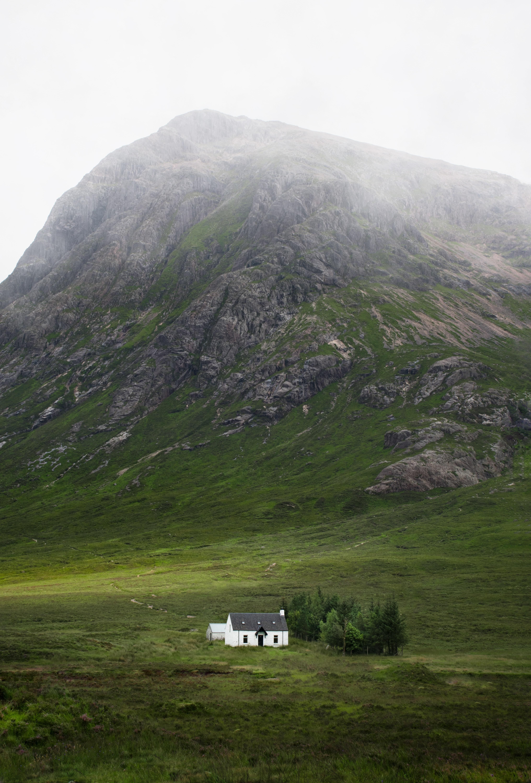 112081 скачать обои Зелень, Природа, Гора, Здание, Долина - заставки и картинки бесплатно