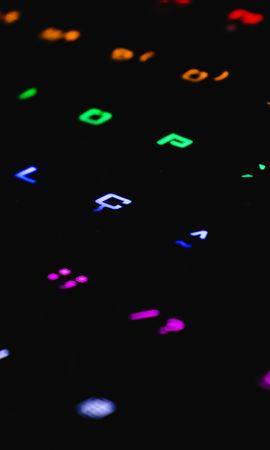 お使いの携帯電話の78014スクリーンセーバーと壁紙テクノロジー。 テクノロジー, キーボード, キー, バックライト, 照明, 色とりどり, モトリー, 闇, 暗いの写真を無料でダウンロード