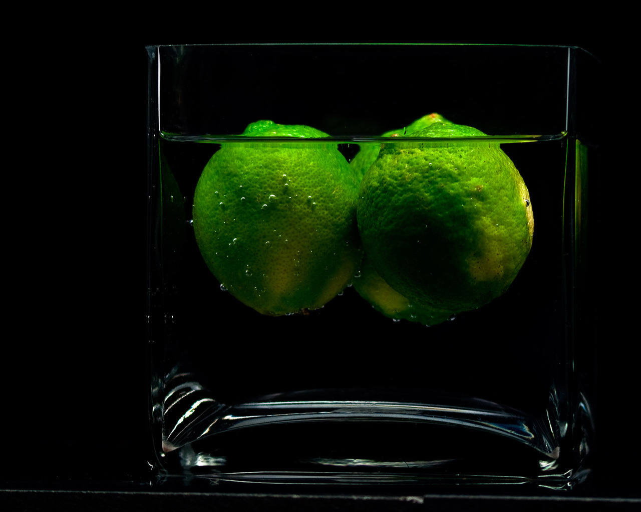 12692 download wallpaper Fruits, Water, Food, Art Photo, Lime screensavers and pictures for free