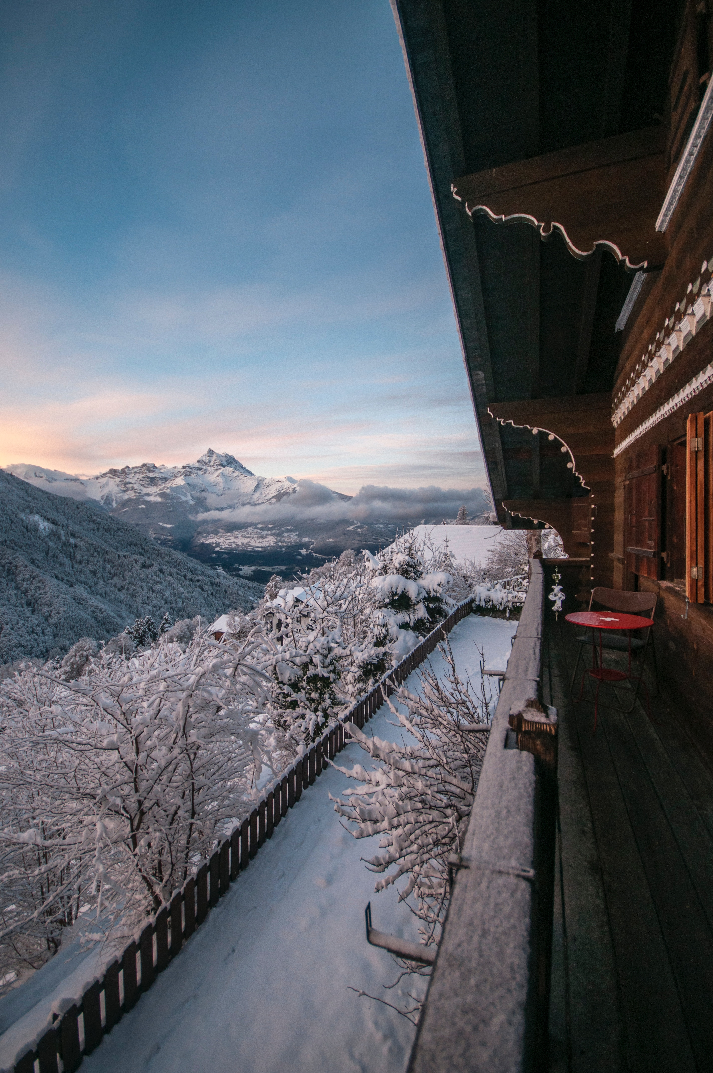 62298 Hintergrundbild herunterladen Landschaft, Natur, Mountains, Alpen, Reise, Entspannung, Ruhepause, Balkon - Bildschirmschoner und Bilder kostenlos
