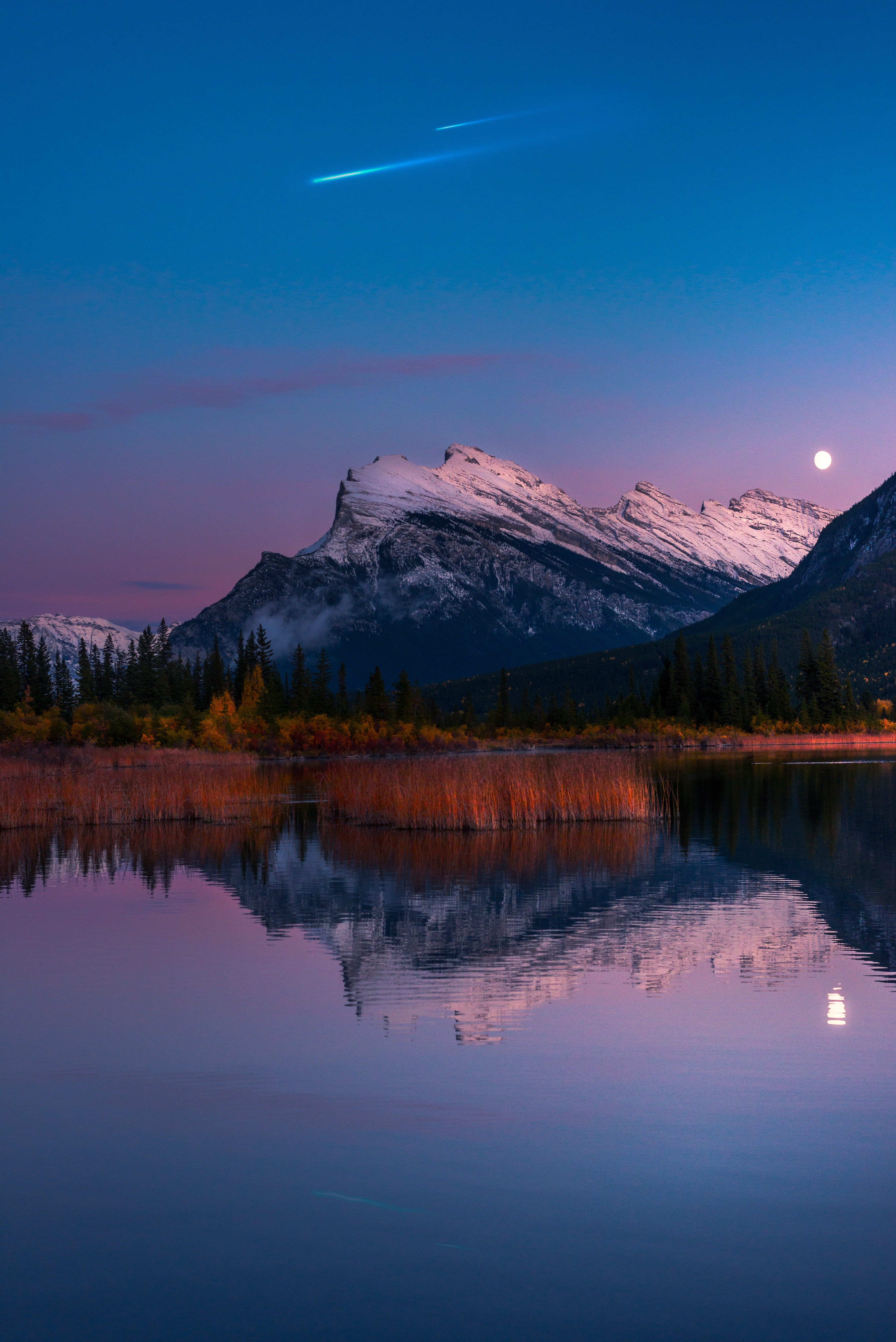 130856 download wallpaper Nature, Lake, Reflection, Mountains screensavers and pictures for free