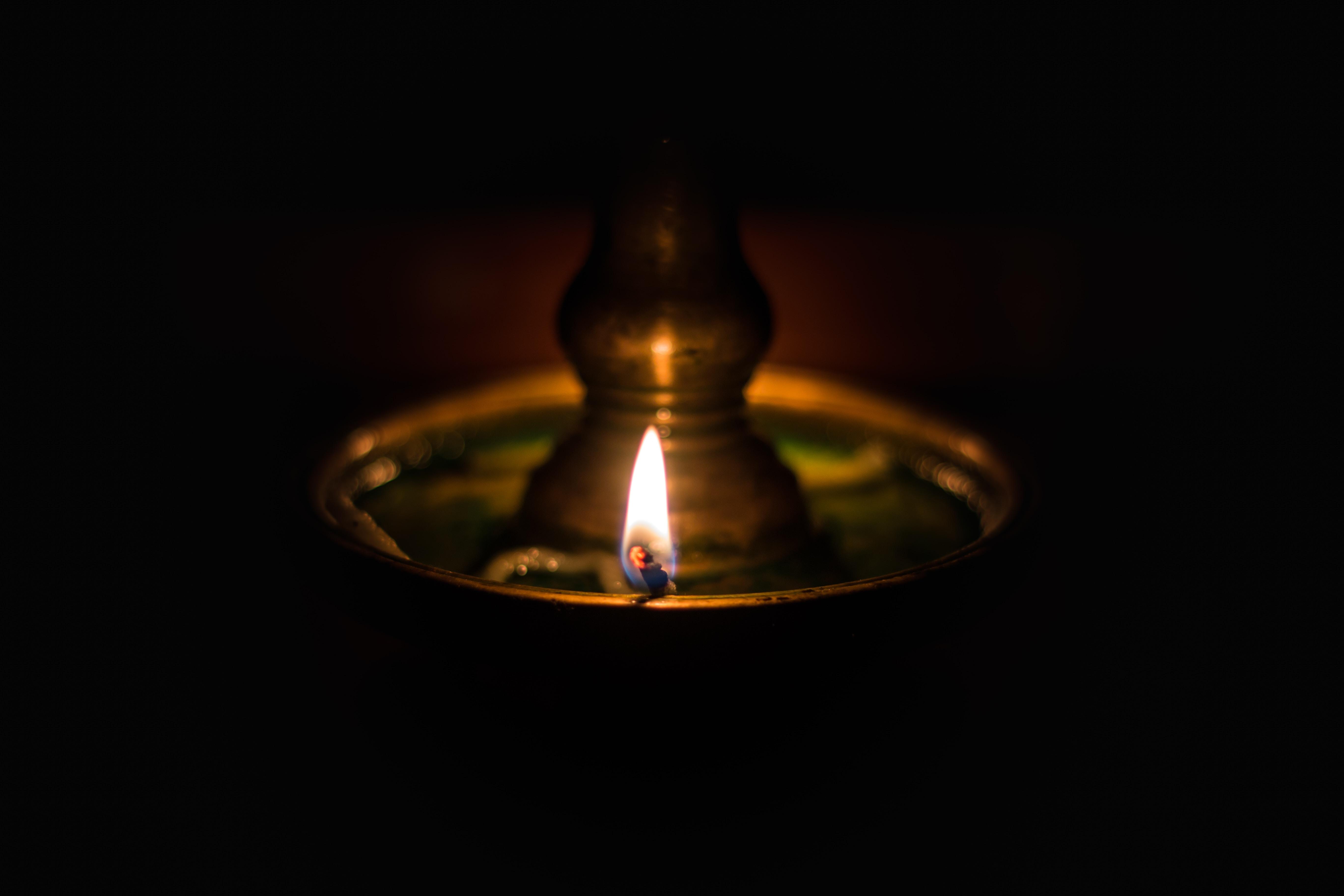 99272 免費下載壁紙 黑暗的, 黑暗, 灯, 灯泡, 灯芯, 火, 燃烧 屏保和圖片
