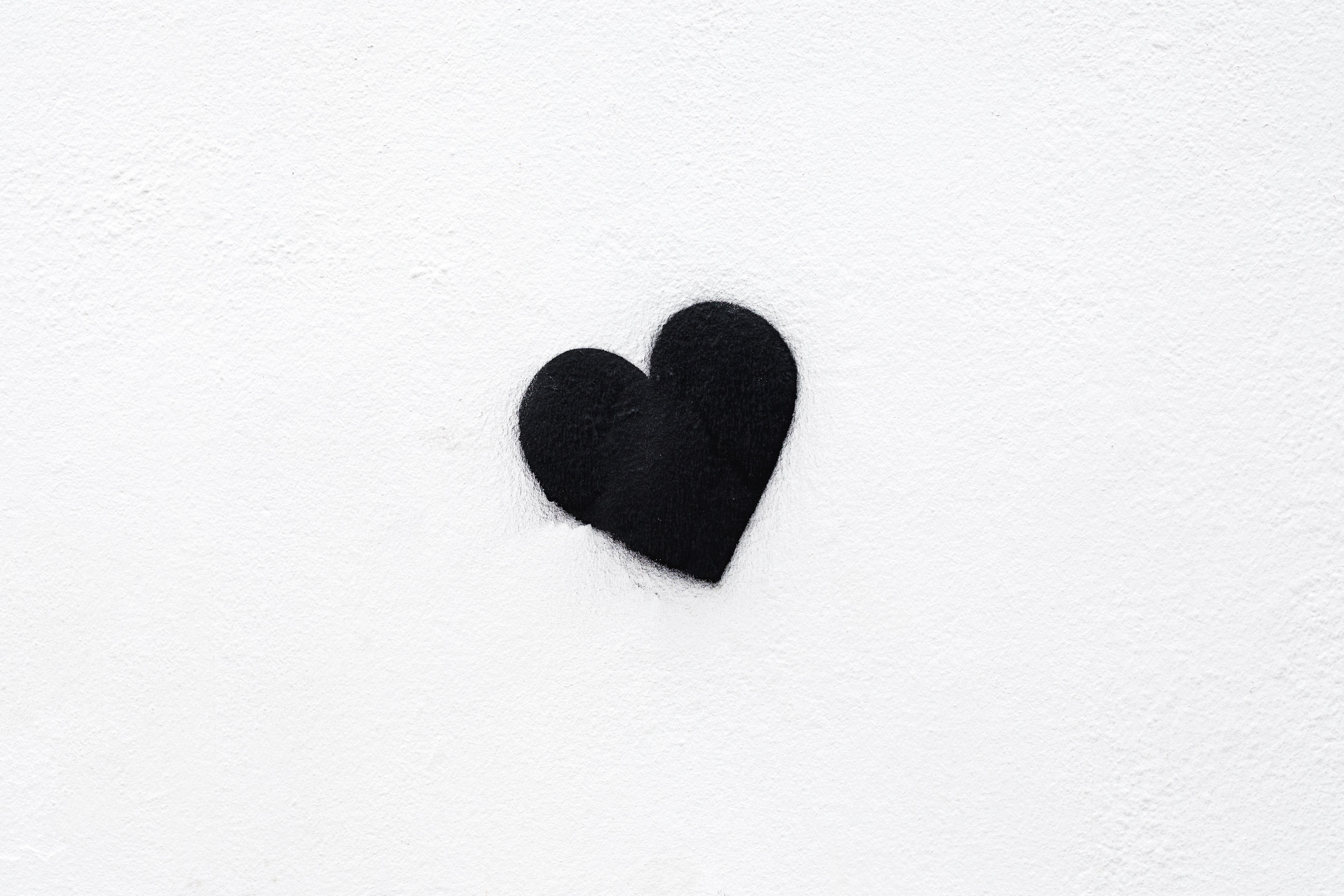 70444 Заставки и Обои Любовь на телефон. Скачать Сердце, Чб, Любовь, Черный, Белый, Минимализм картинки бесплатно