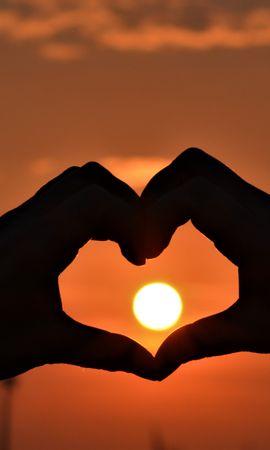90043 Заставки и Обои Солнце на телефон. Скачать Руки, Сердце, Закат, Любовь, Солнце картинки бесплатно