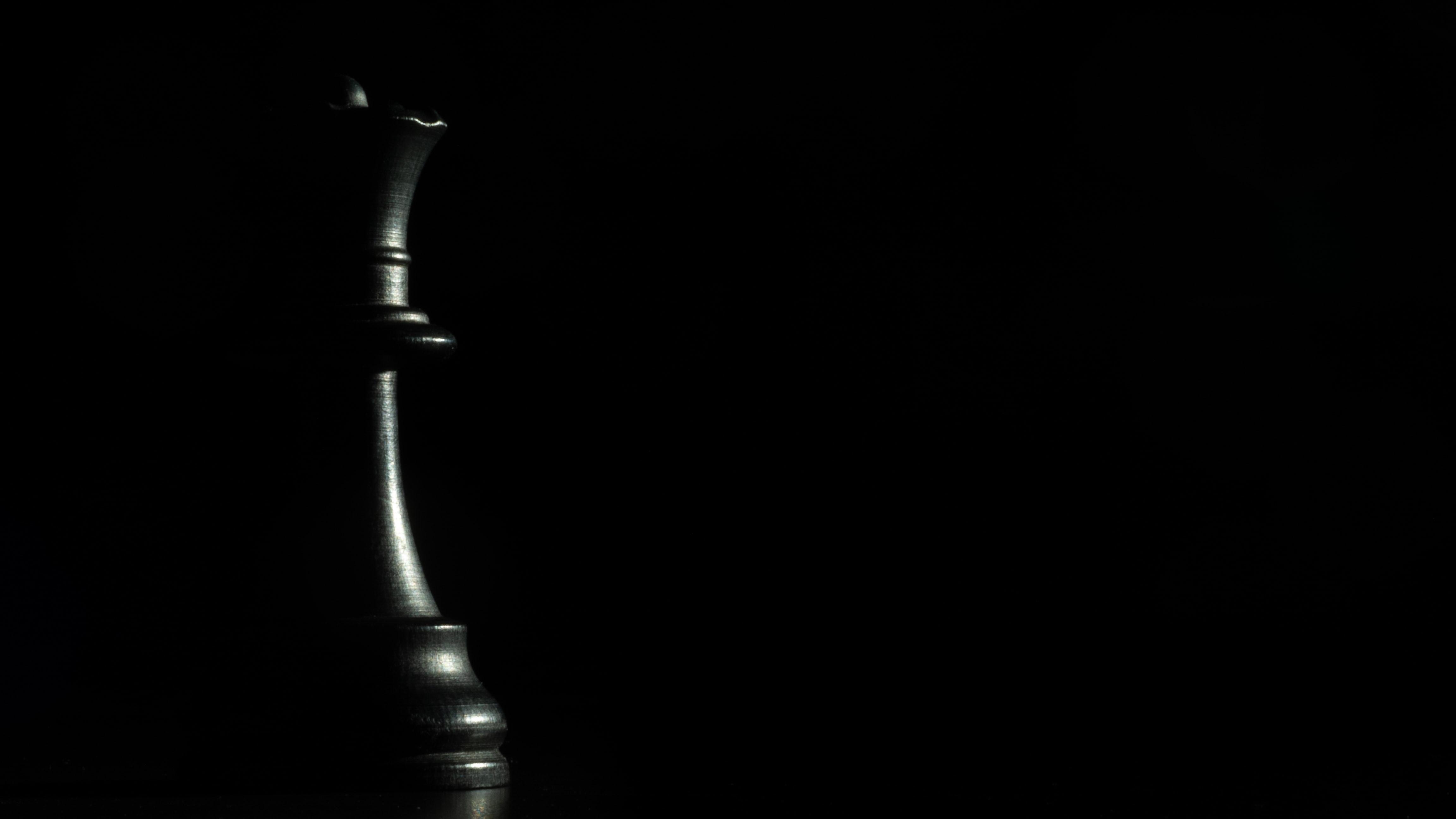 117006 скачать Черные обои на телефон бесплатно, Шахматы, Черный, Игры, Фигура, Игра, Королева Черные картинки и заставки на мобильный