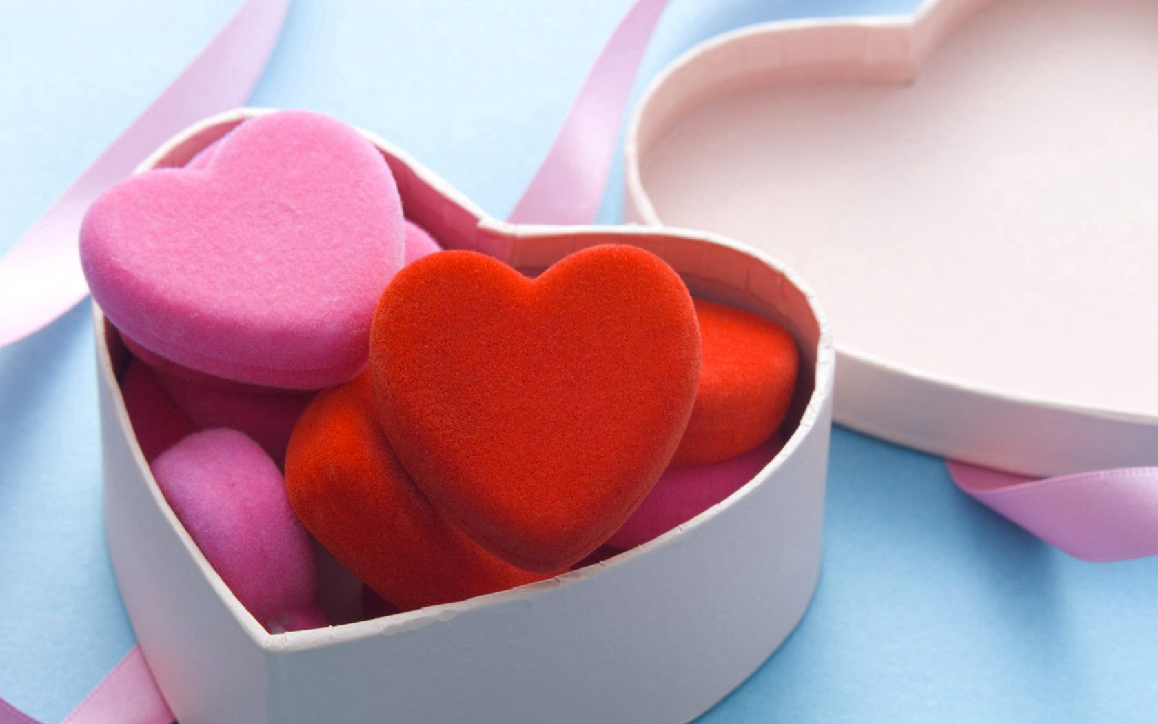 111818 download wallpaper Love, Box, Hearts screensavers and pictures for free