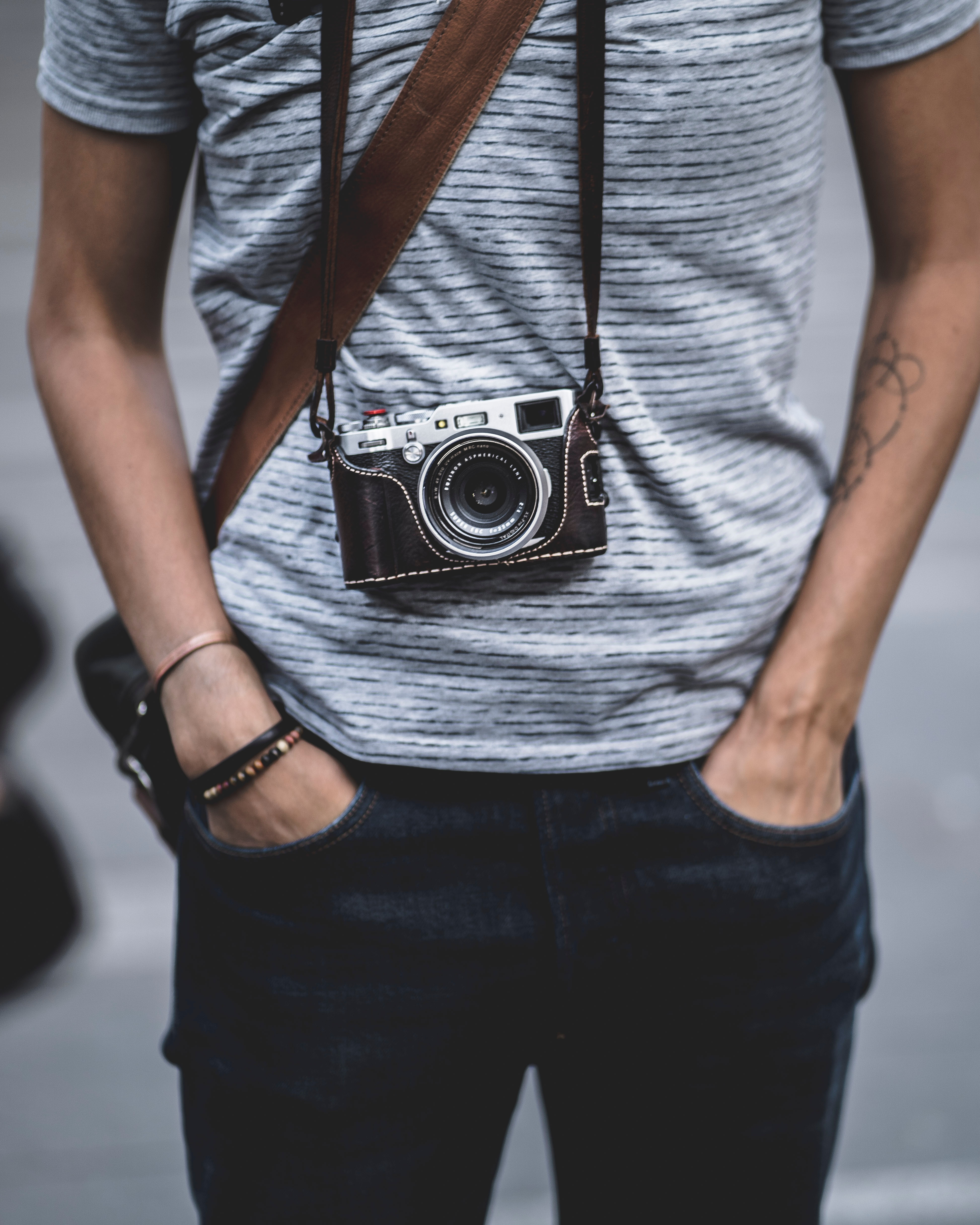 109574 download wallpaper Technologies, Technology, Camera, Photographer, Lens, Hobby screensavers and pictures for free