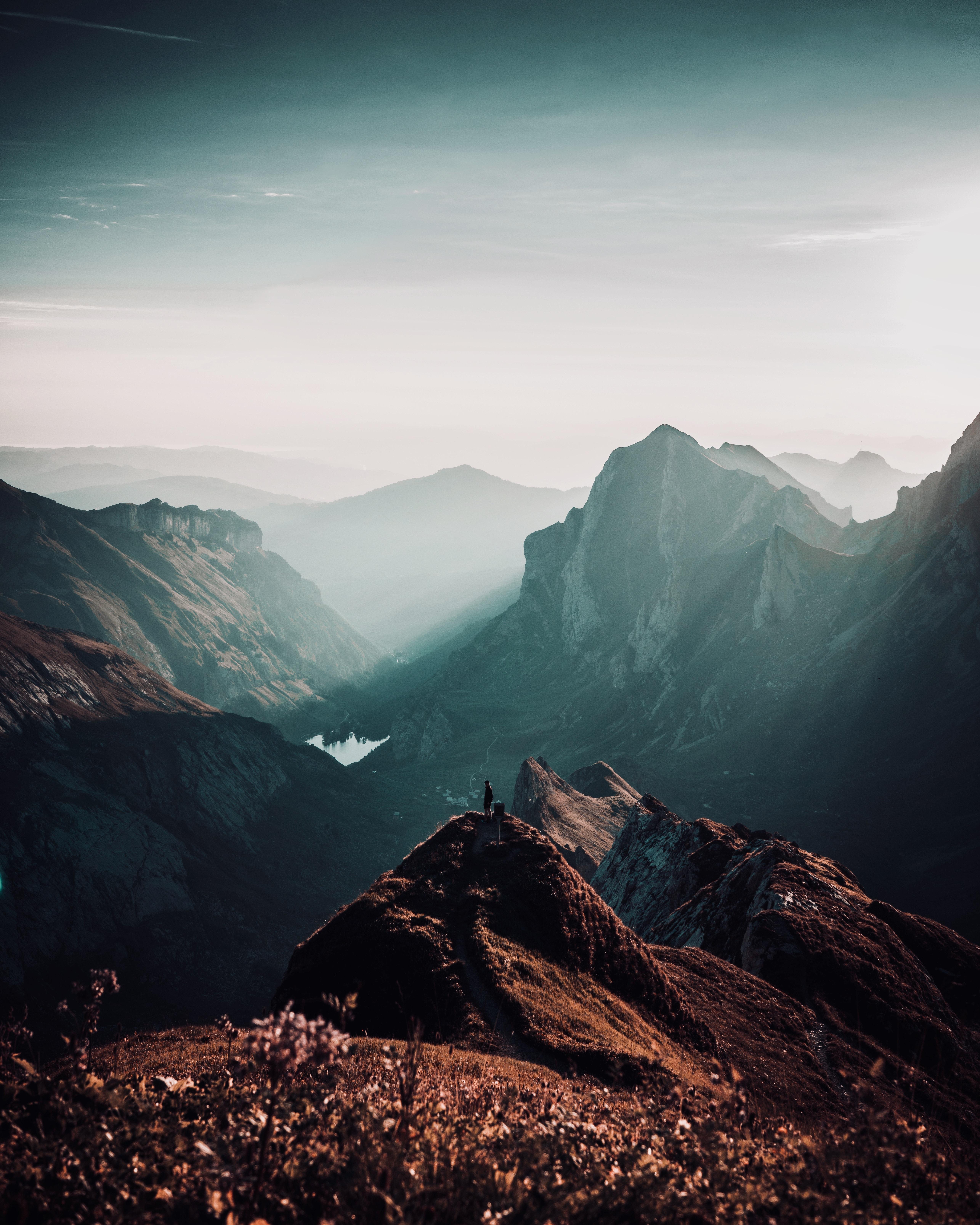 110892 скачать обои Швейцария, Природа, Горы, Уединение, Вершины, Одиночество - заставки и картинки бесплатно