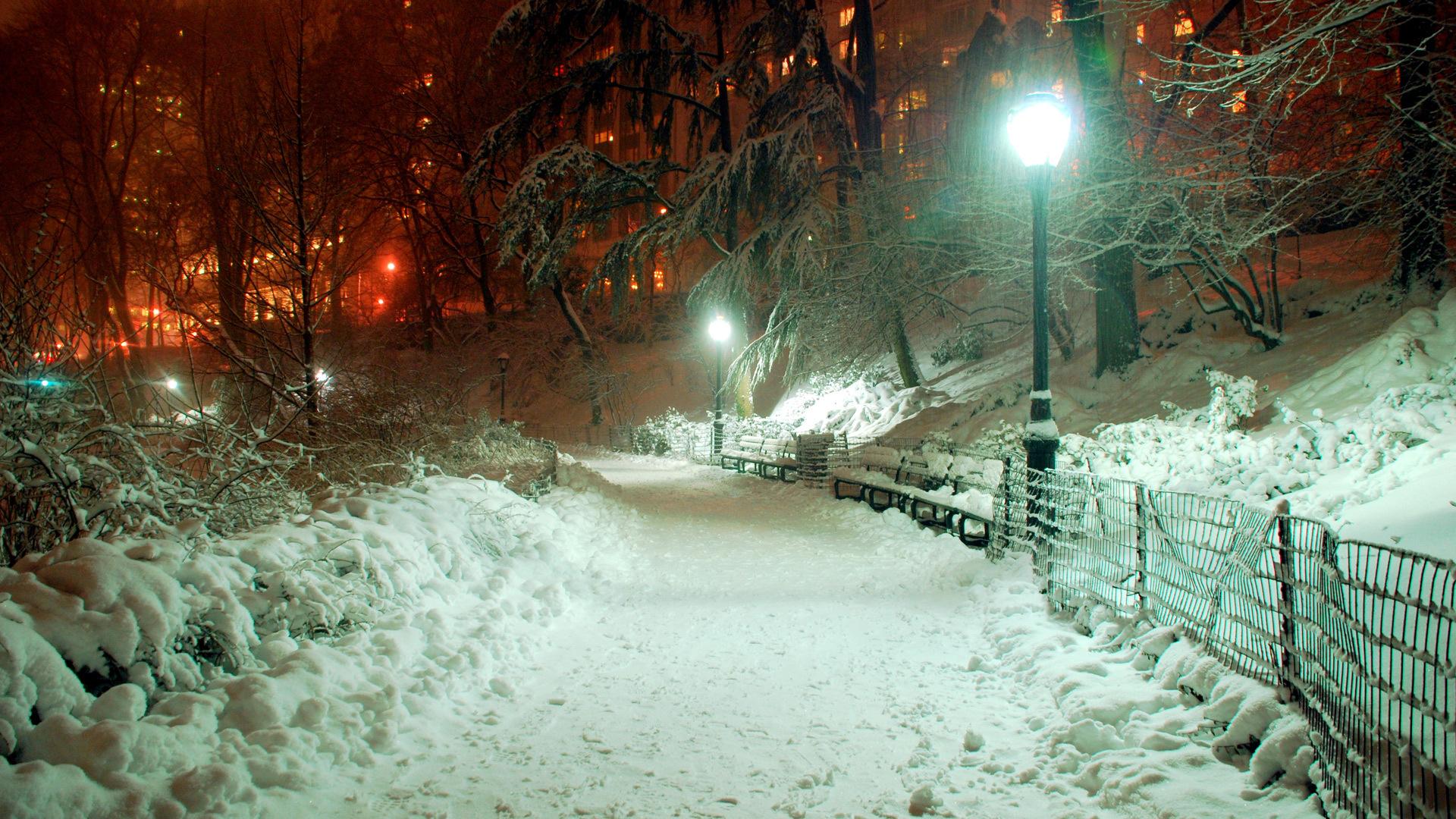 Скачать картинку Дороги, Ночь, Снег, Пейзаж, Деревья в телефон бесплатно.