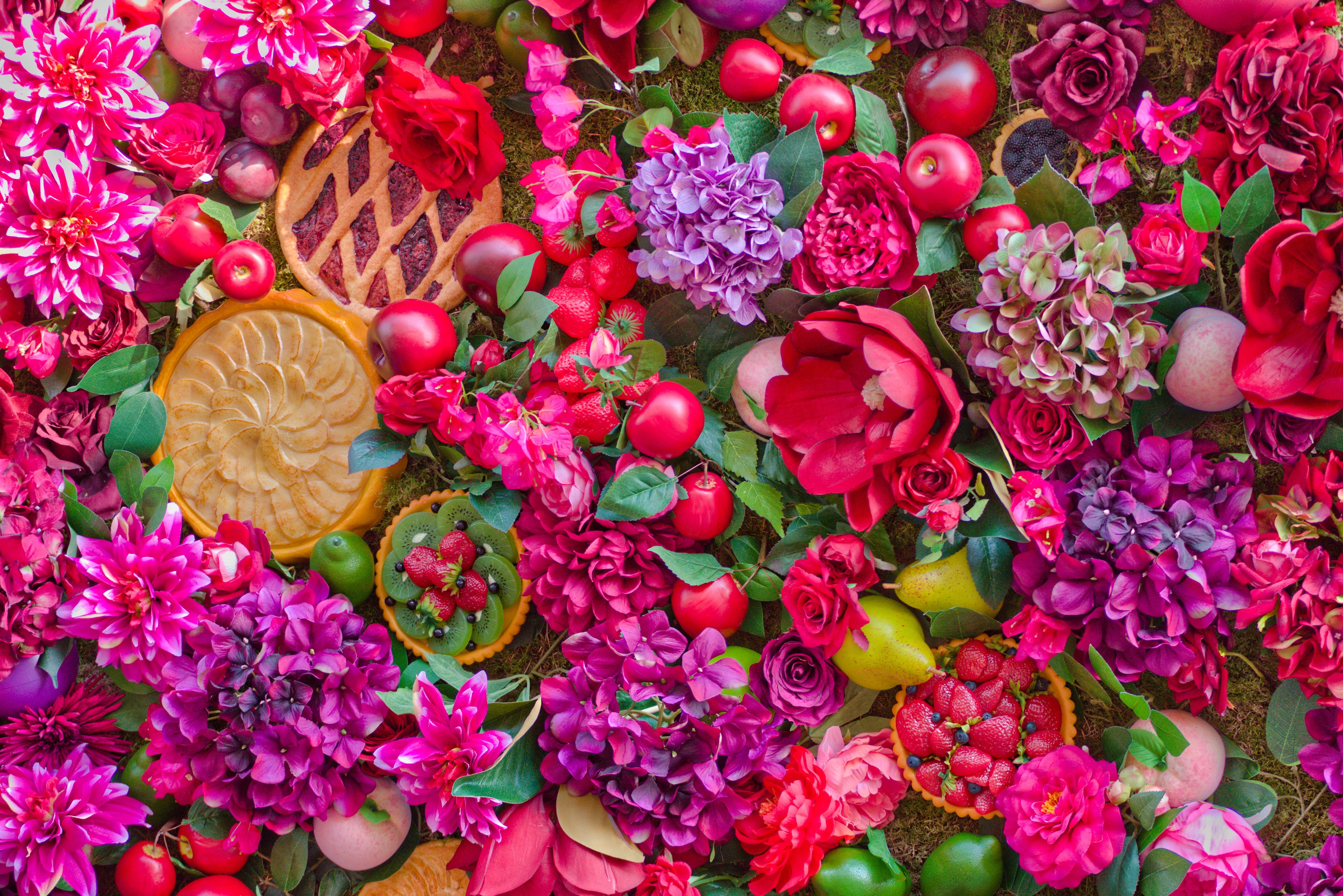 125690 download wallpaper Fruits, Flowers, Summer, Still Life, Cakes screensavers and pictures for free
