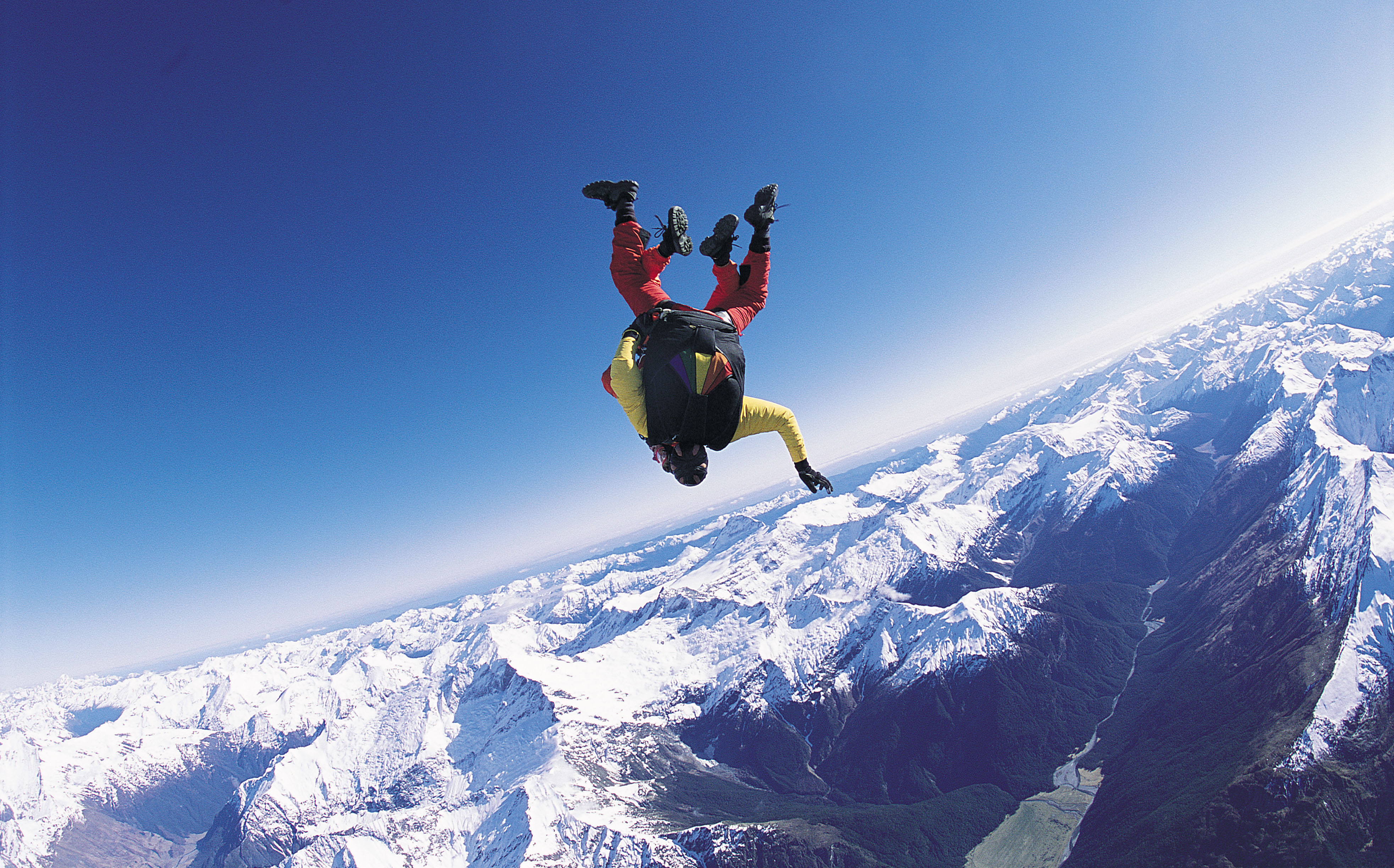 128080 Screensavers and Wallpapers Flight for phone. Download Sports, Sky, Clouds, Flight, Parachutist pictures for free