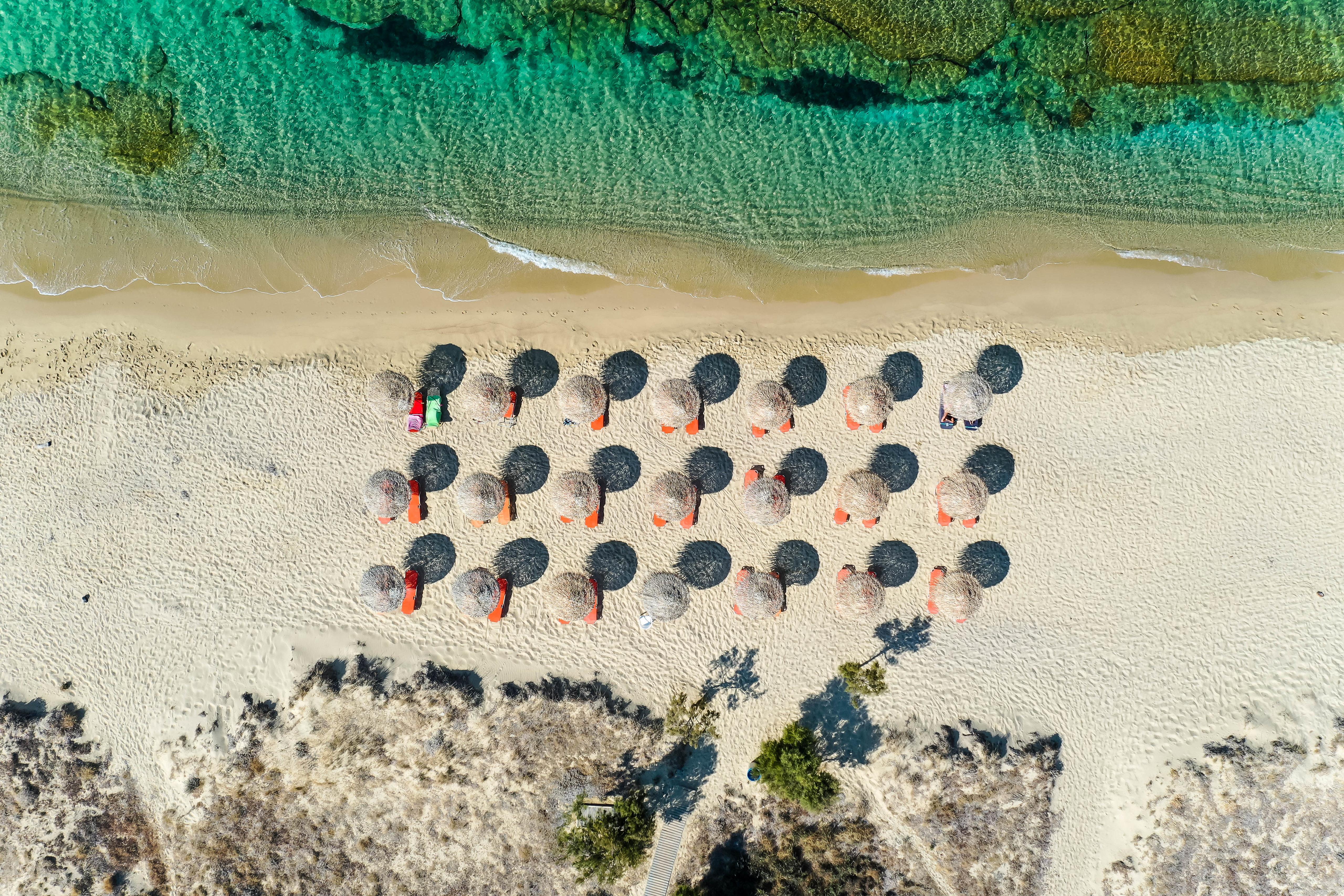 140421壁紙のダウンロード自然, 傘, ビーチ, 上から見る, 海-スクリーンセーバーと写真を無料で