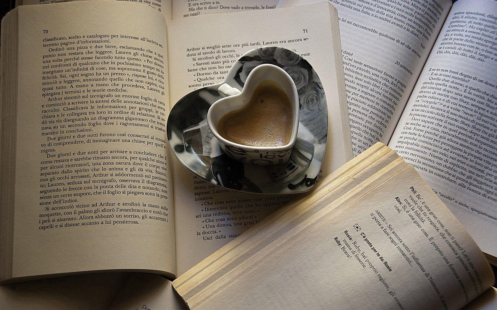 54411 Hintergrundbild herunterladen Lebensmittel, Herzen, Bücher, Coffee, Tasse, Ein Herz, Becher, Seiten, Seite - Bildschirmschoner und Bilder kostenlos