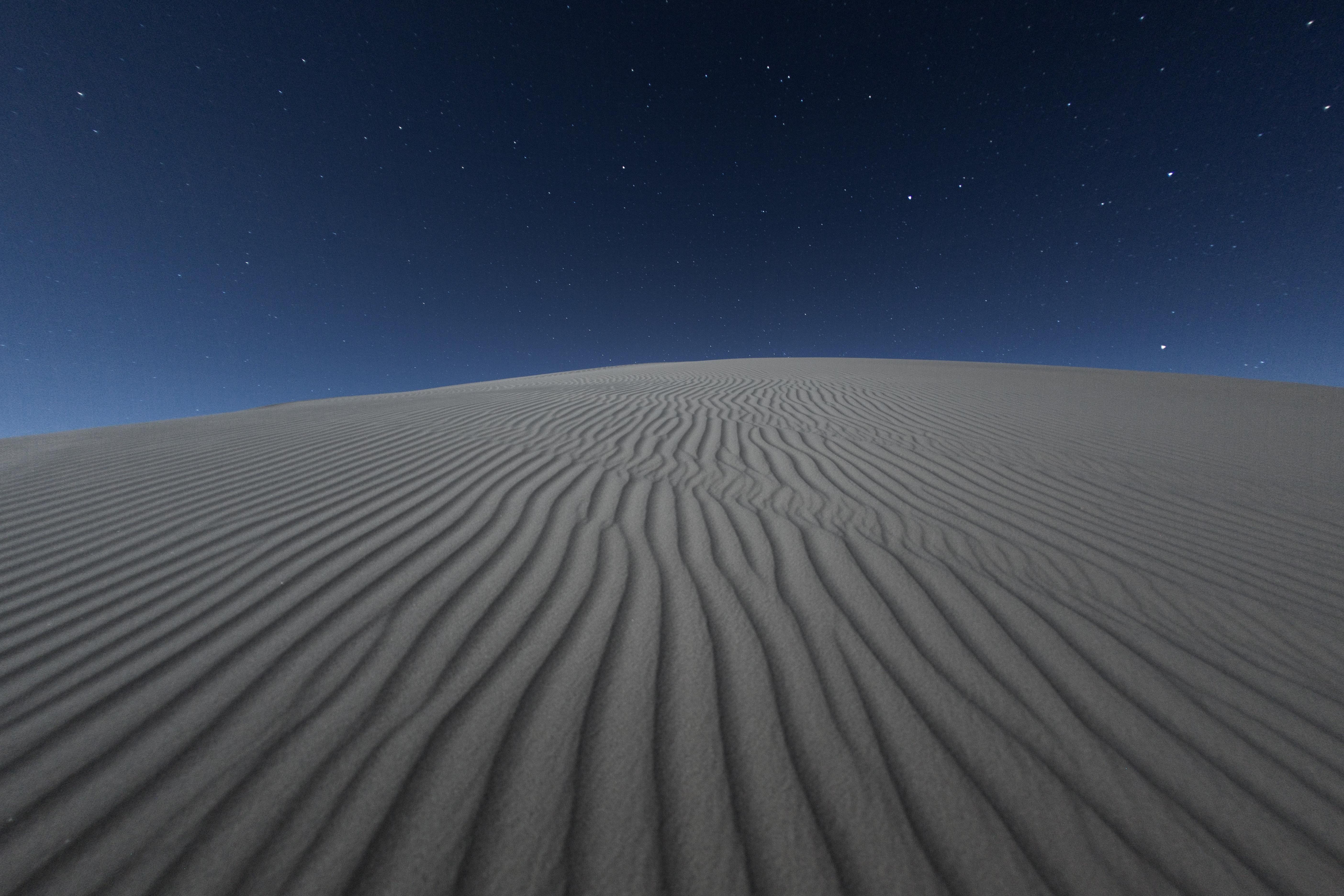 149352 Заставки и Обои Пустыня на телефон. Скачать Пустыня, Природа, Ночь, Песок, Звездное Небо, Волнистый, Светлый картинки бесплатно