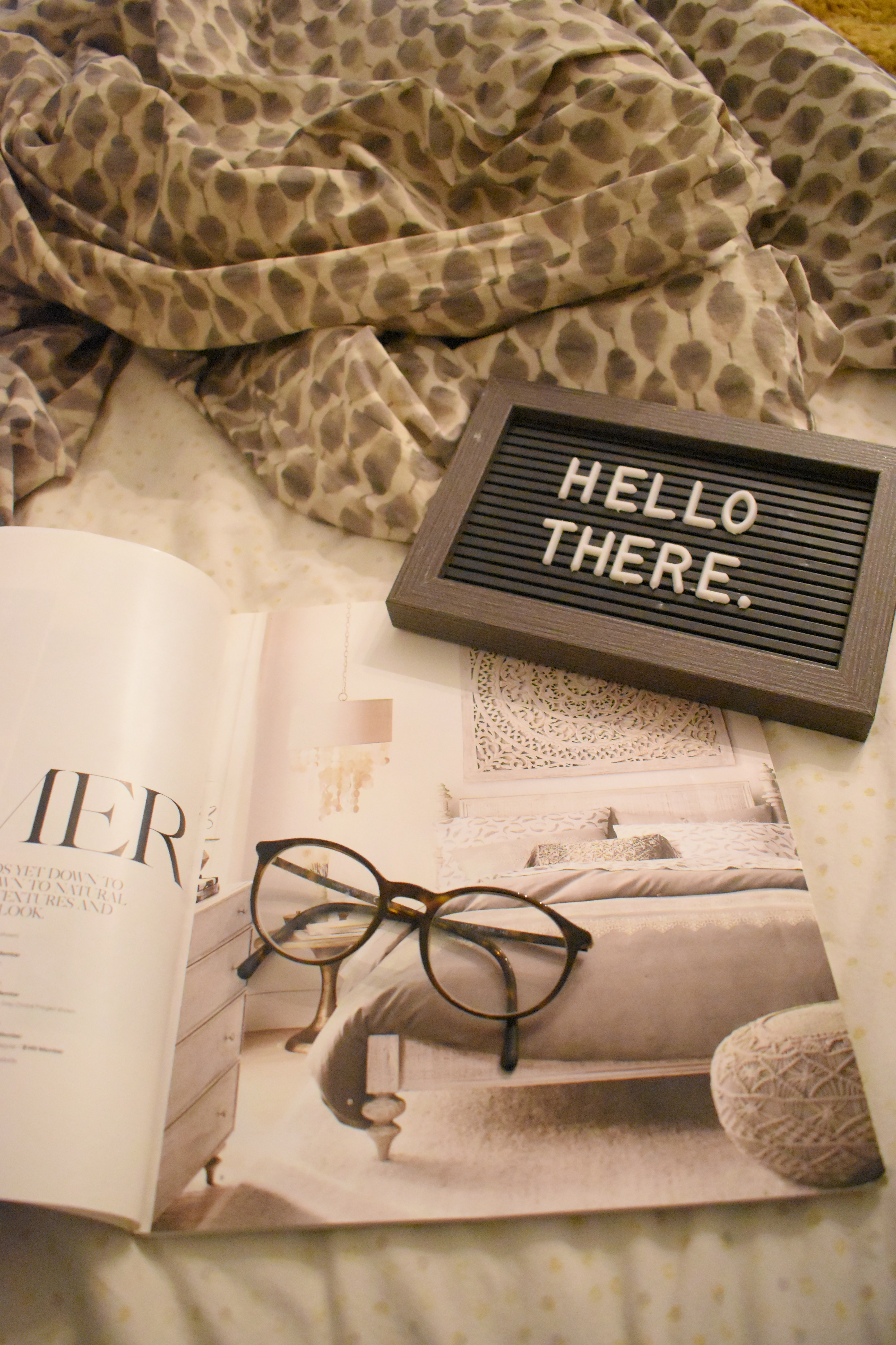 133776 download wallpaper Miscellanea, Miscellaneous, Magazine, Journal, Glasses, Spectacles, Inscription, Words screensavers and pictures for free