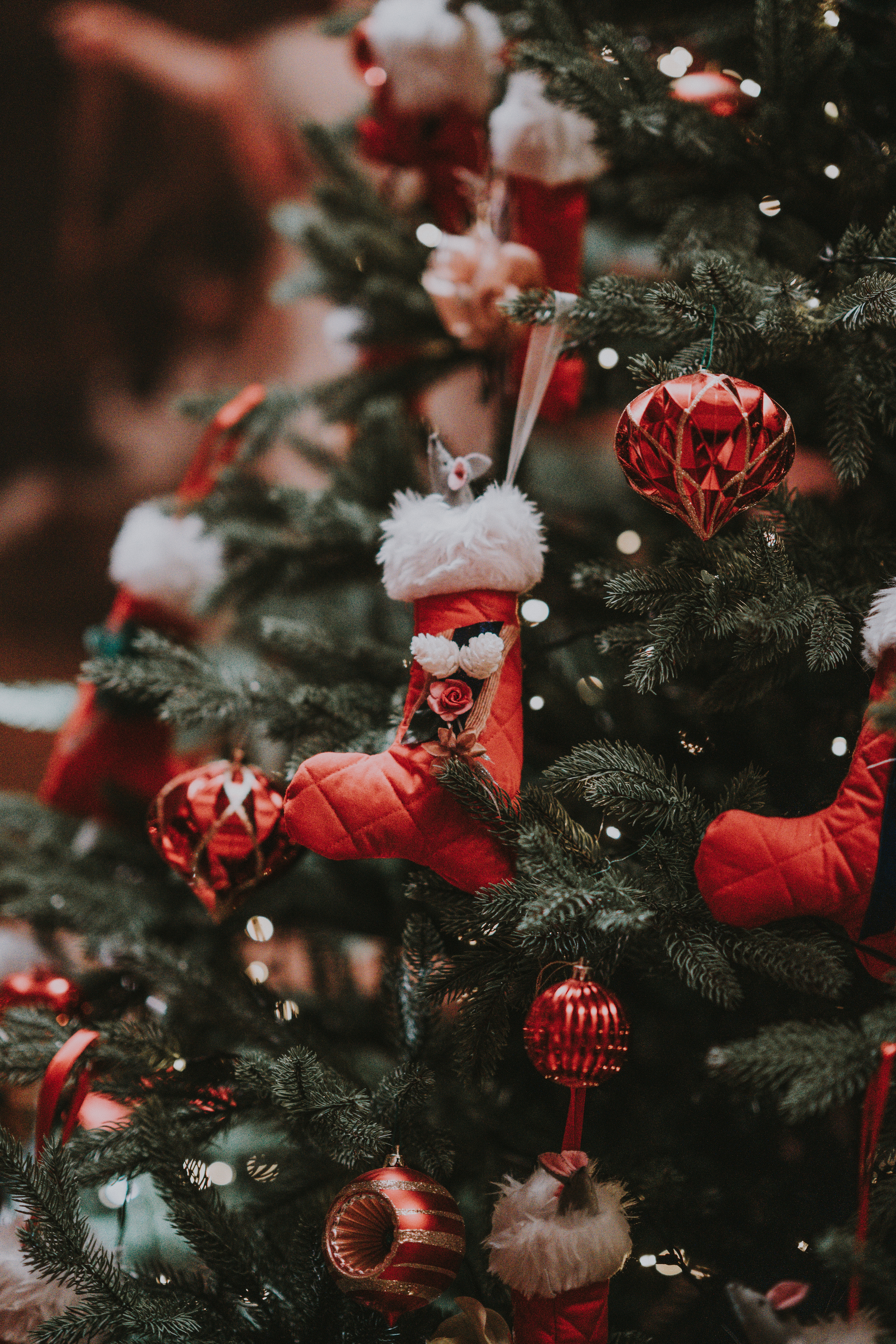 100448 download wallpaper Holidays, Christmas Decorations, Christmas Tree Toys, Christmas, New Year, Decoration, Holiday screensavers and pictures for free