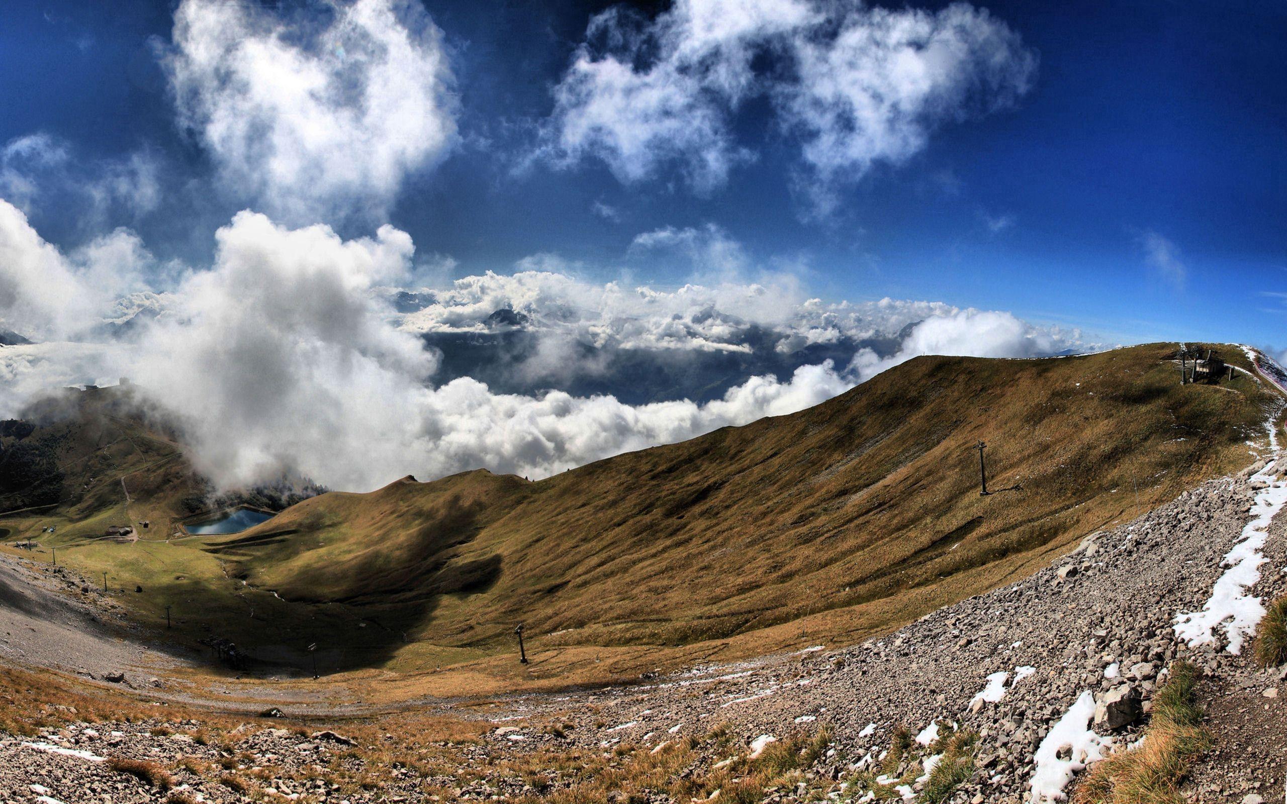 148362 Заставки и Обои Облака на телефон. Скачать Природа, Трава, Небо, Облака, Туман, Горы картинки бесплатно