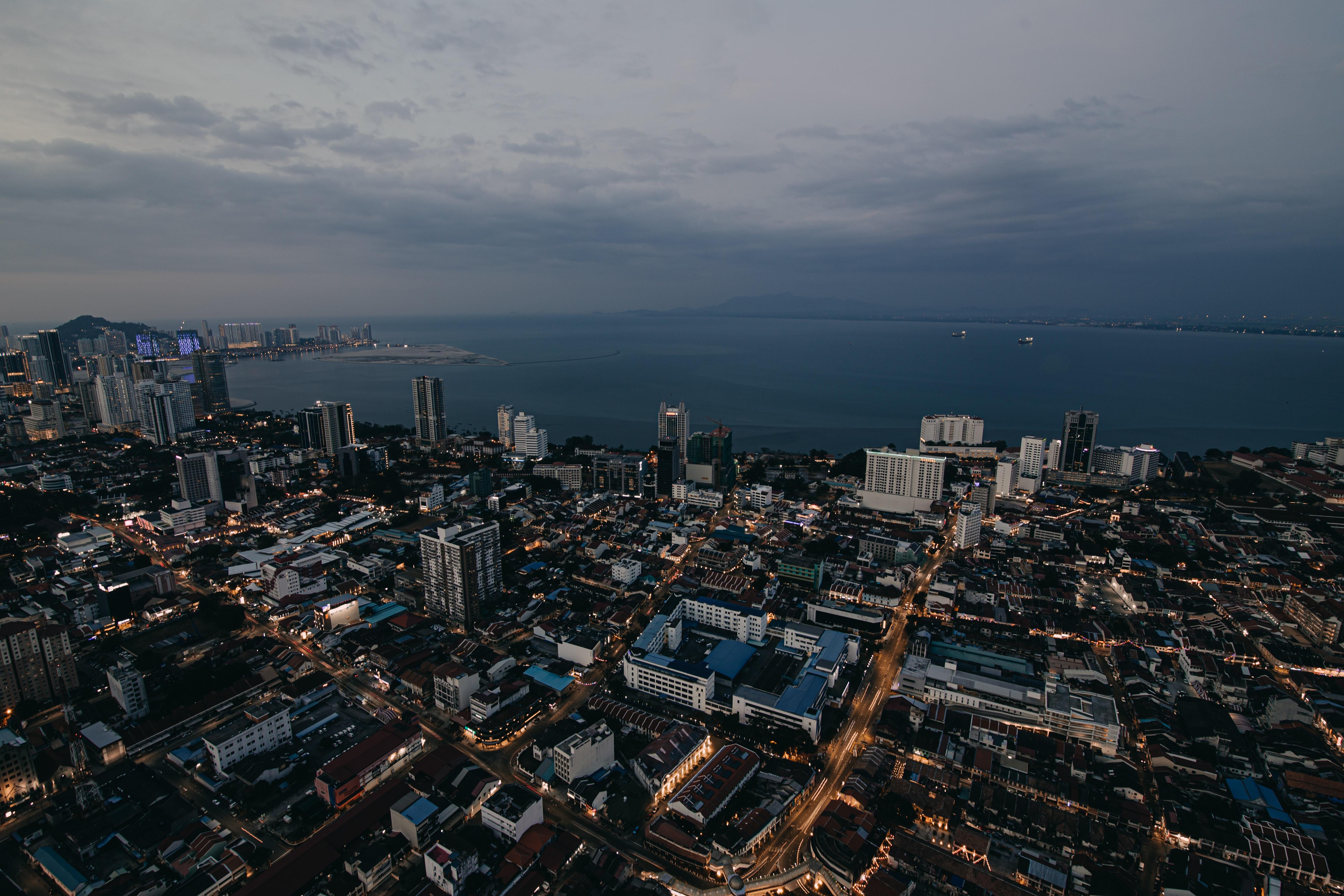 74318 Hintergrundbild herunterladen Städte, Roads, Architektur, Stadt, Gebäude, Abend - Bildschirmschoner und Bilder kostenlos