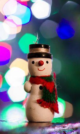 111783 скачать обои Праздники, Снеговик, Игрушка, Блики, Новый Год - заставки и картинки бесплатно