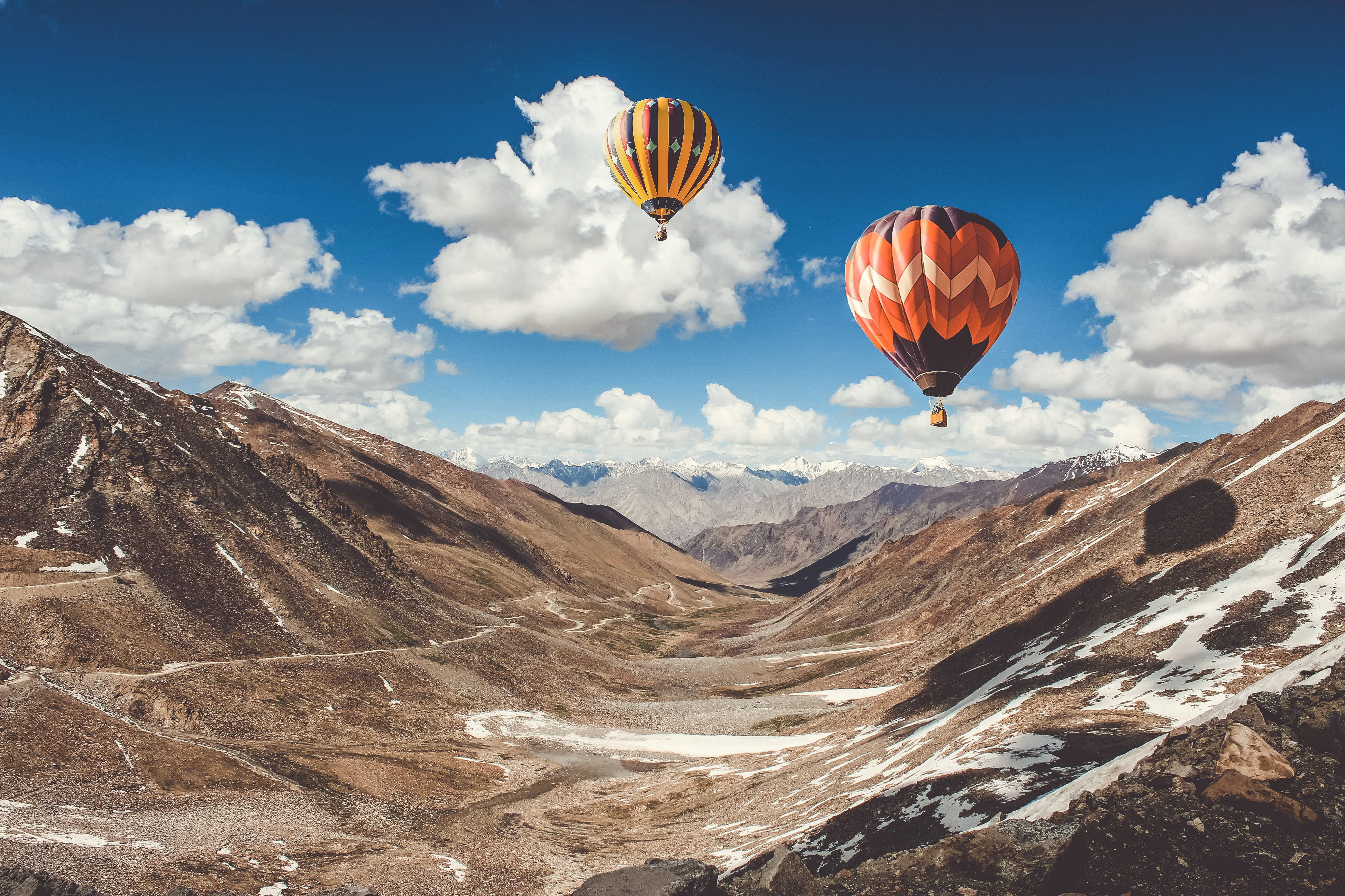 93738 Screensavers and Wallpapers Balloons for phone. Download Nature, Sky, Mountains, Clouds, Balloons pictures for free