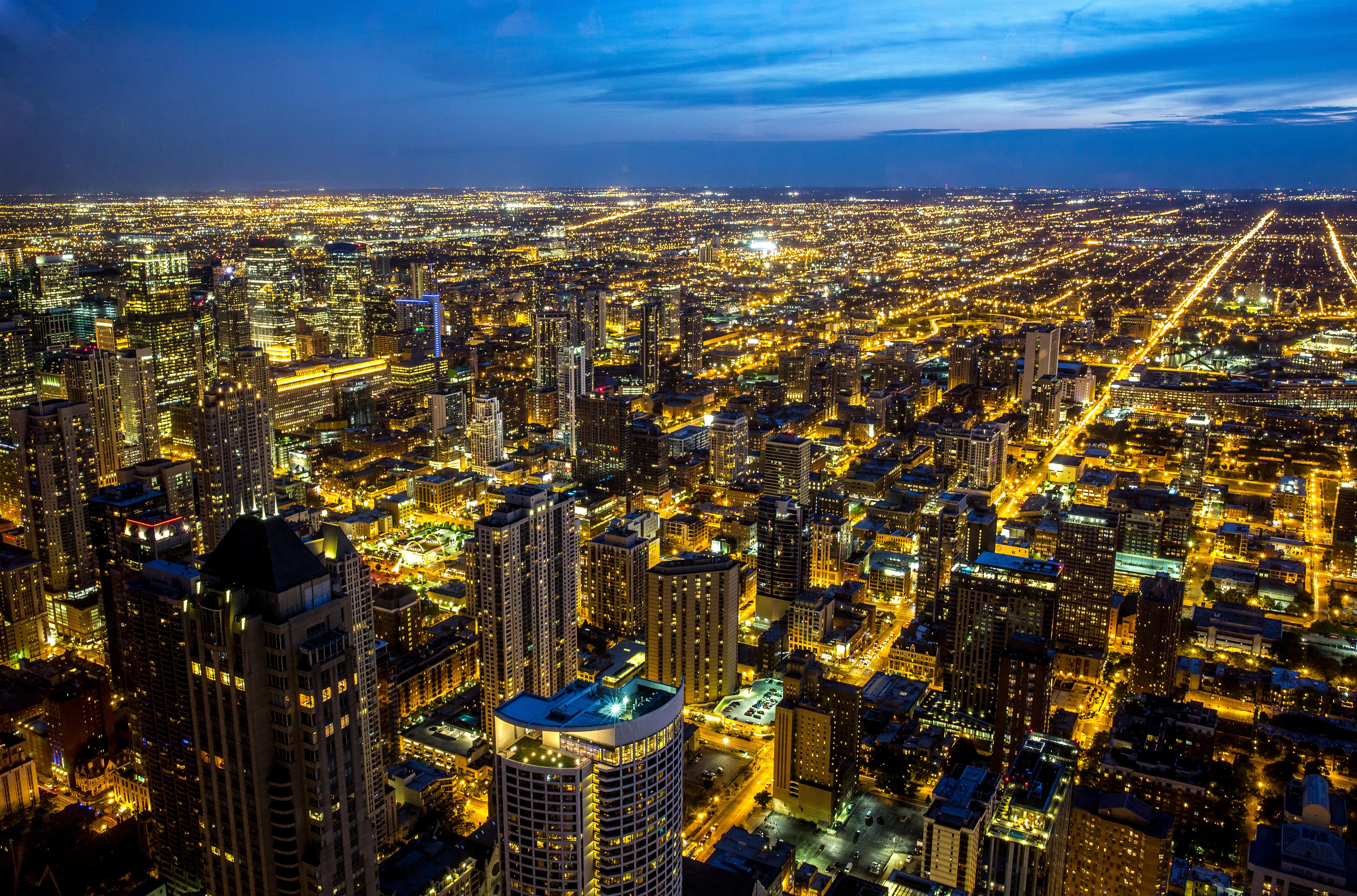 146662壁紙のダウンロード夜の街, ナイトシティ, 高層ビル, 高 層 ビル, 建物, ライト, 上から見る, アーキテクチャ, 都市-スクリーンセーバーと写真を無料で