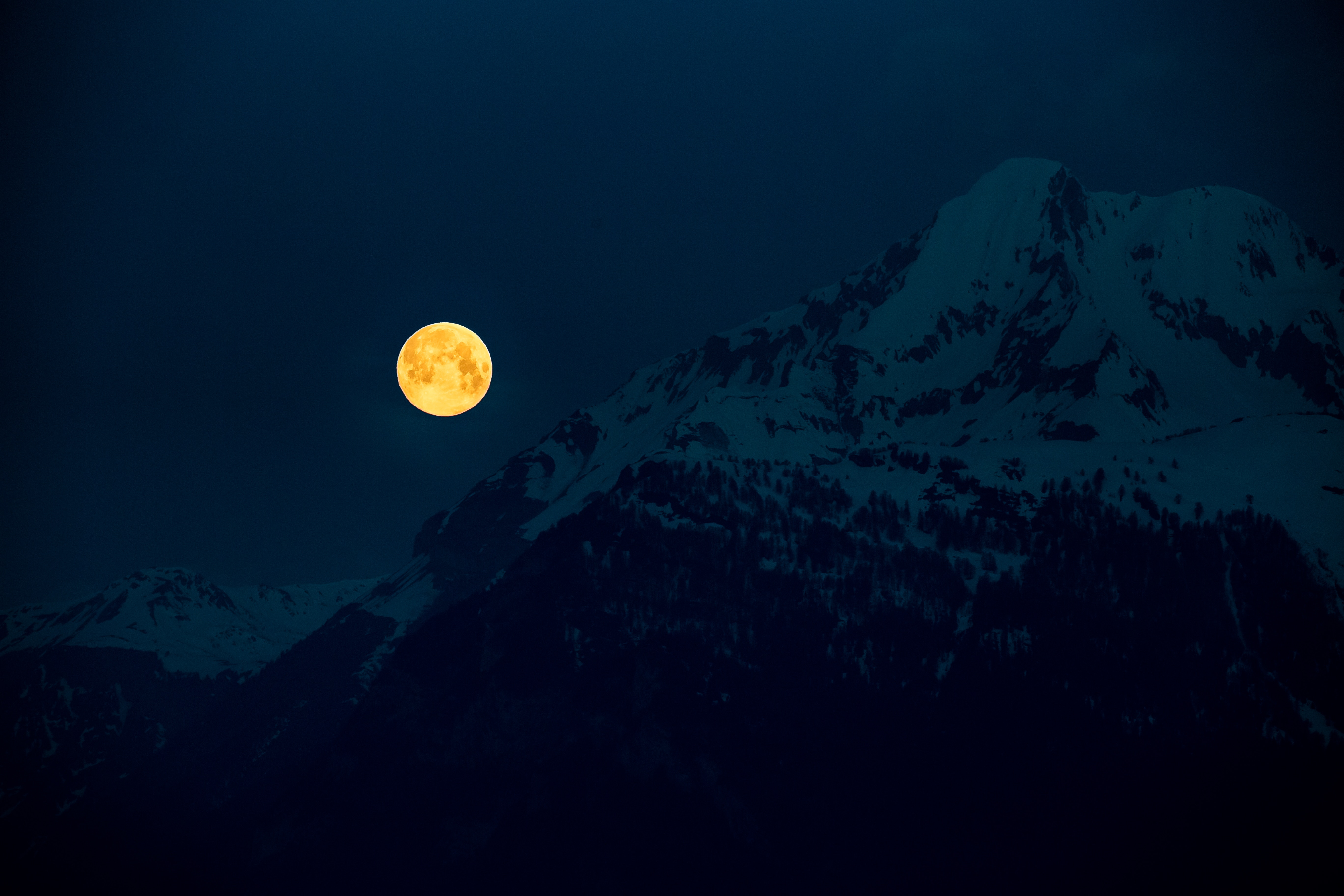 137395 Screensavers and Wallpapers Moon for phone. Download Dark, Moon, Night, Full Moon, Moonlight, Mountains pictures for free