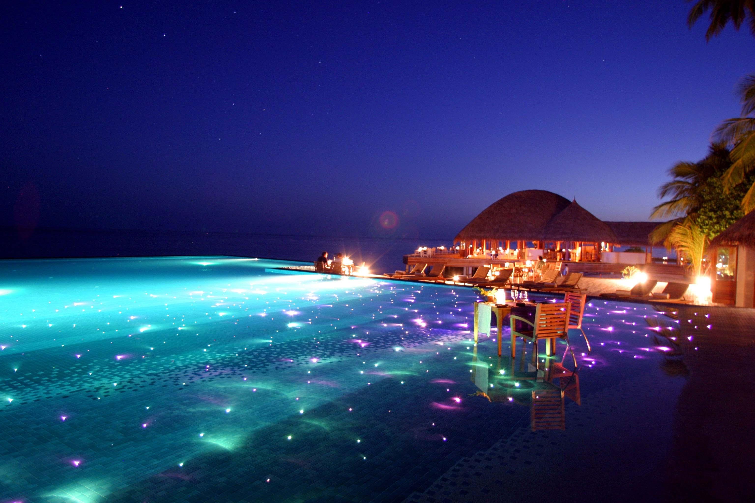 92682 download wallpaper Miscellanea, Miscellaneous, Maldives, Tropics, Resort, Evening screensavers and pictures for free