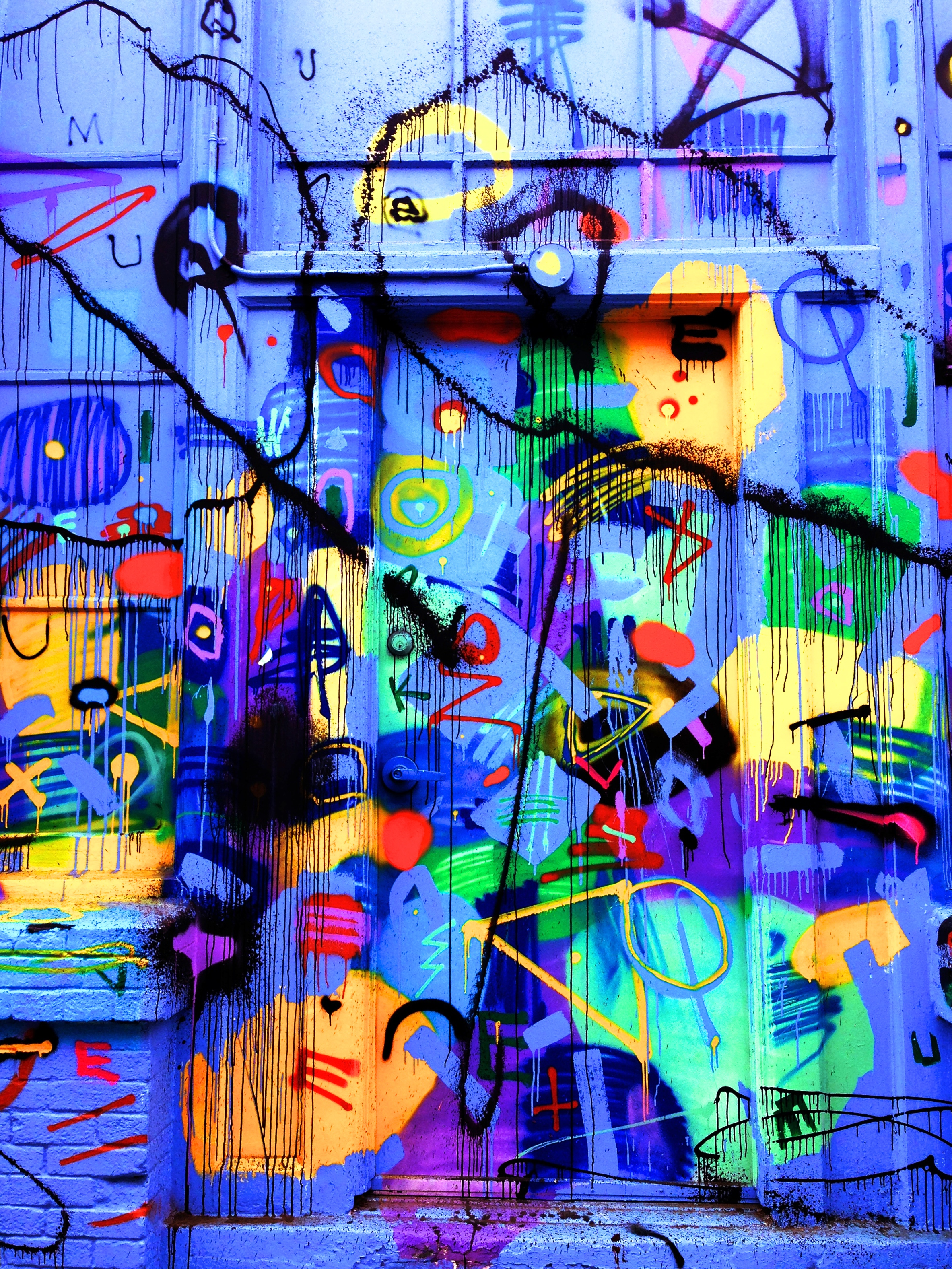 137422 Screensavers and Wallpapers Bright for phone. Download Art, Bright, Multicolored, Motley, Graffiti, Door pictures for free