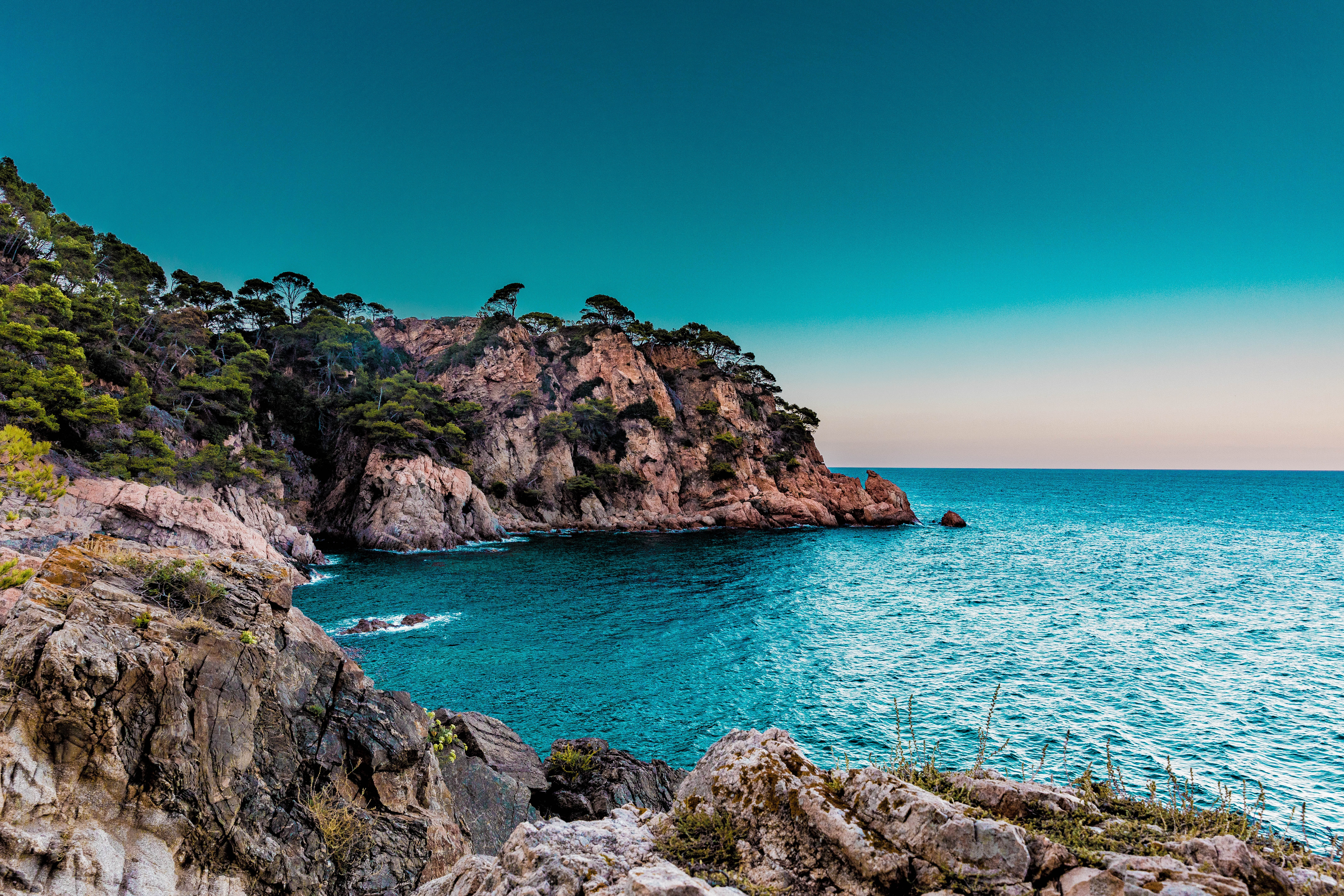 94023 download wallpaper Sea, Nature, Rocks, Shore, Bank screensavers and pictures for free