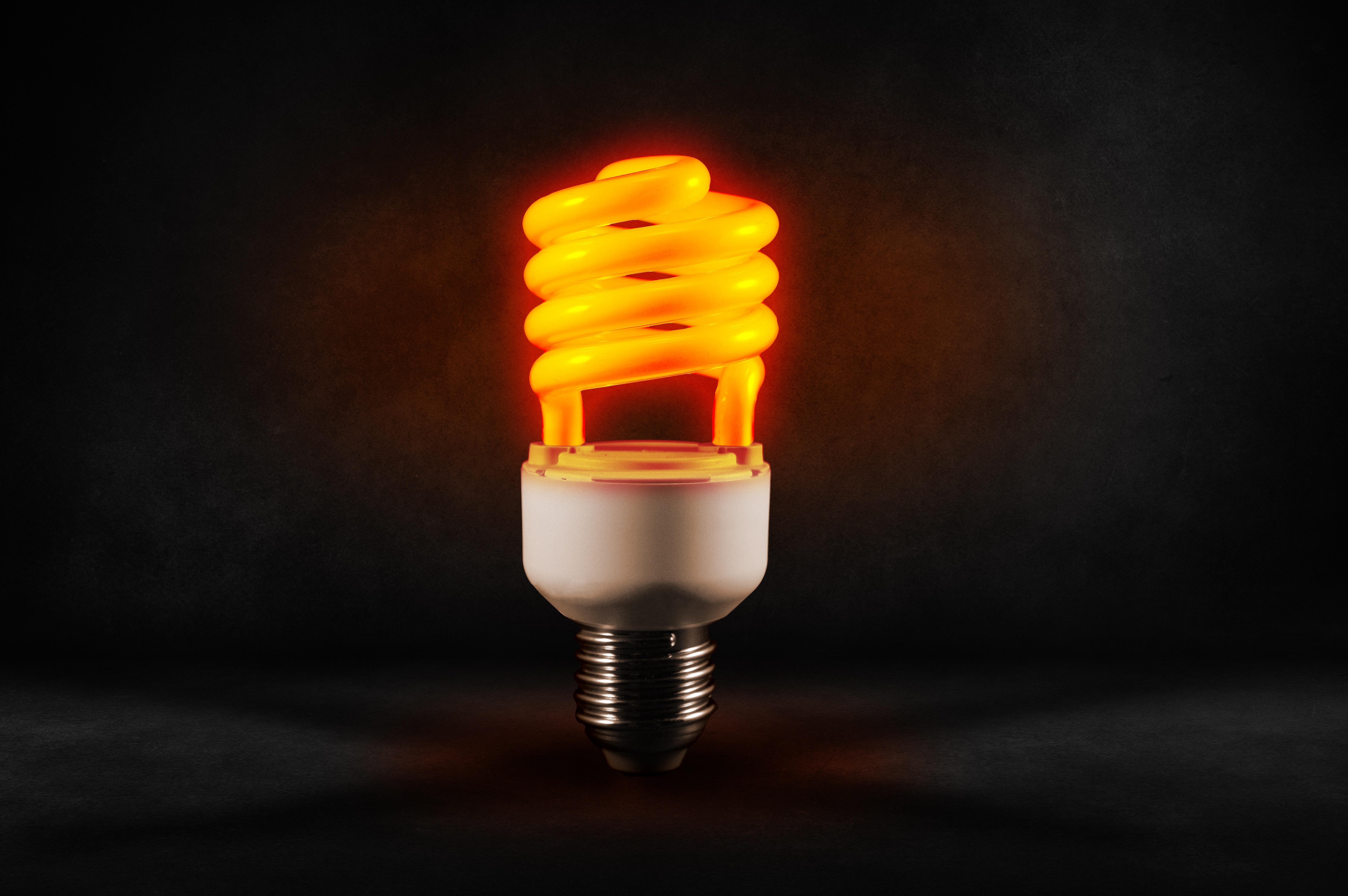 98849 завантажити шпалери Світло, Світлий, Різне, Спіраль, Лампа, Енергозбереження, Економія Енергії - заставки і картинки безкоштовно