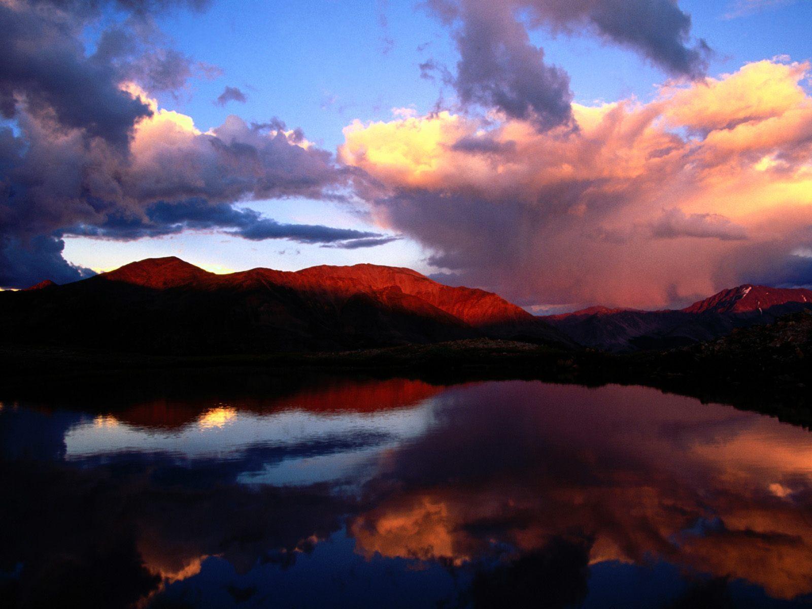 17914 скачать обои Пейзаж, Вода, Закат, Небо, Горы, Облака - заставки и картинки бесплатно