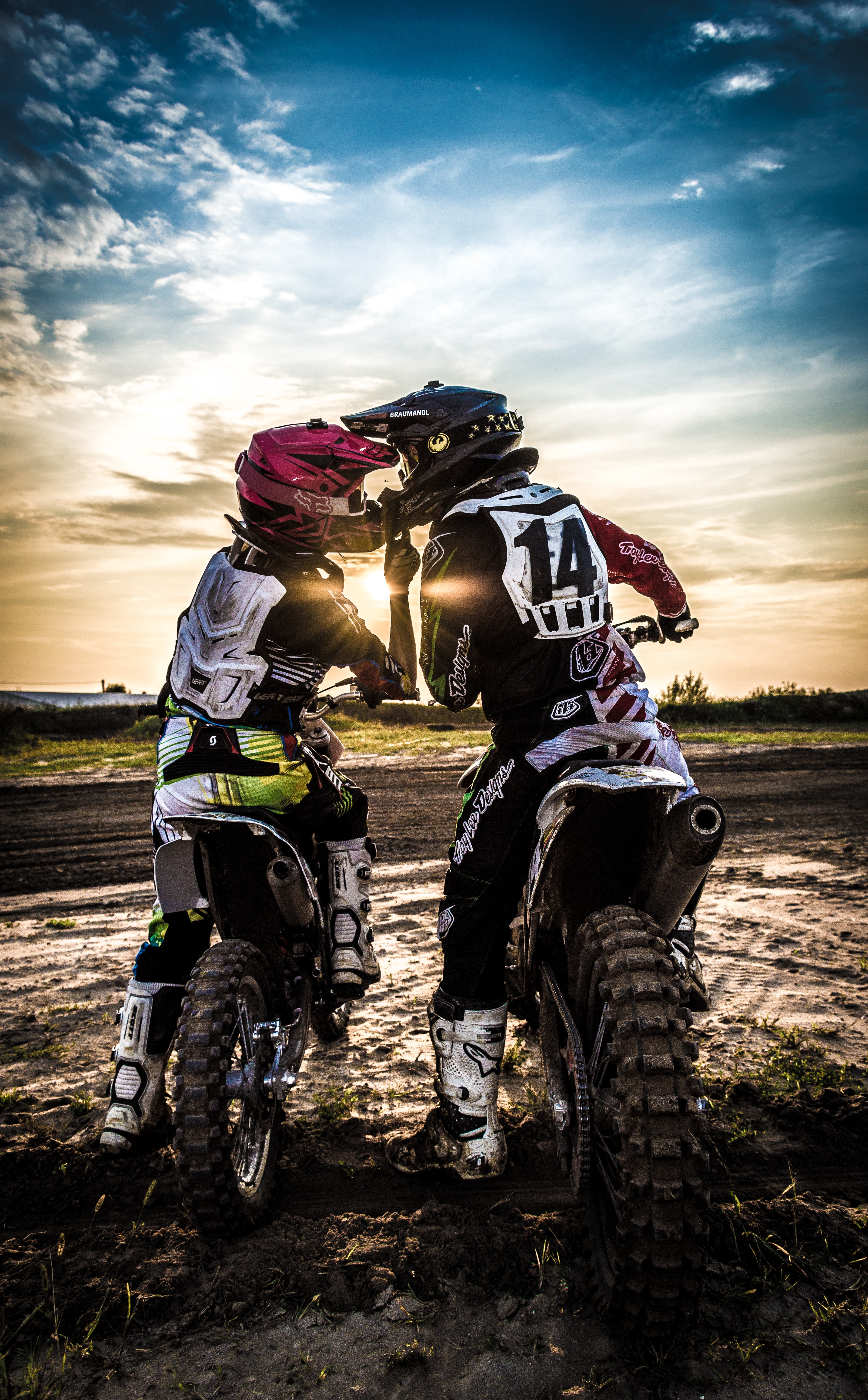 131034 download wallpaper Motorcycles, Motocross, Kiss, Love, Moto, Sports, Sunset screensavers and pictures for free