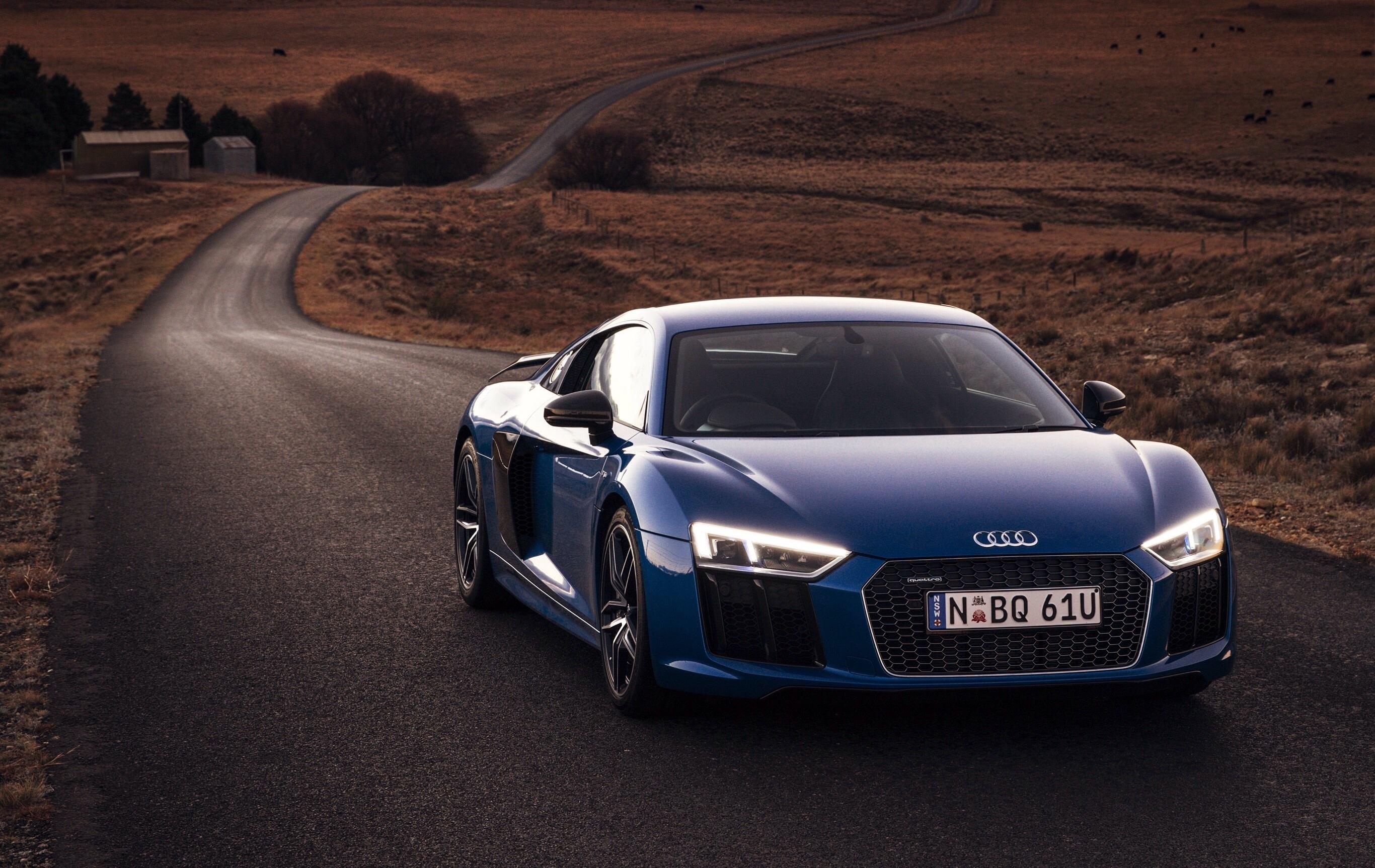 53366 скачать обои Тачки (Cars), Ауди (Audi), R8, V10, Дорога, Движение - заставки и картинки бесплатно