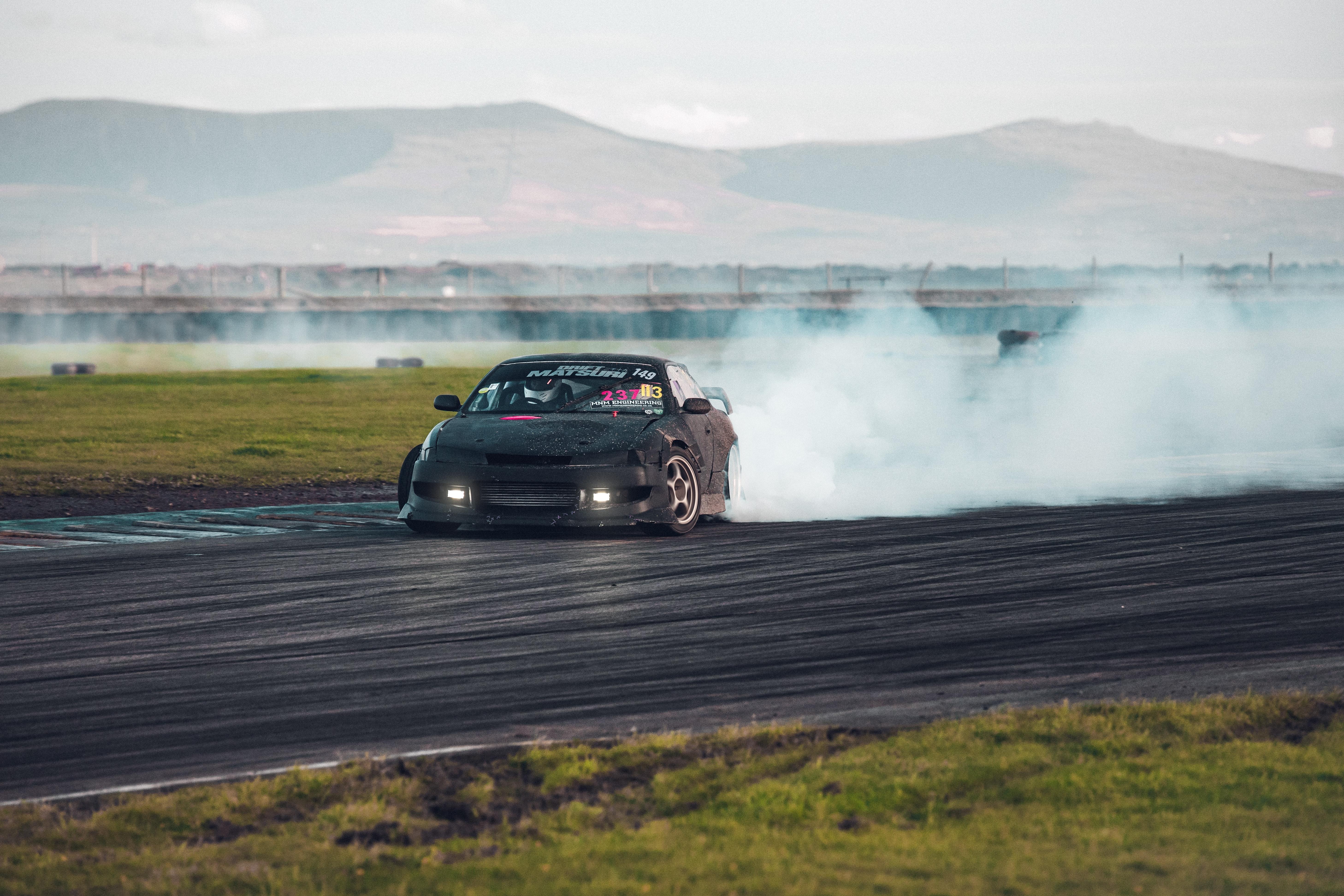 95771 скачать обои Автомобиль, Дым, Тачки (Cars), Экстрим, Дрифт - заставки и картинки бесплатно