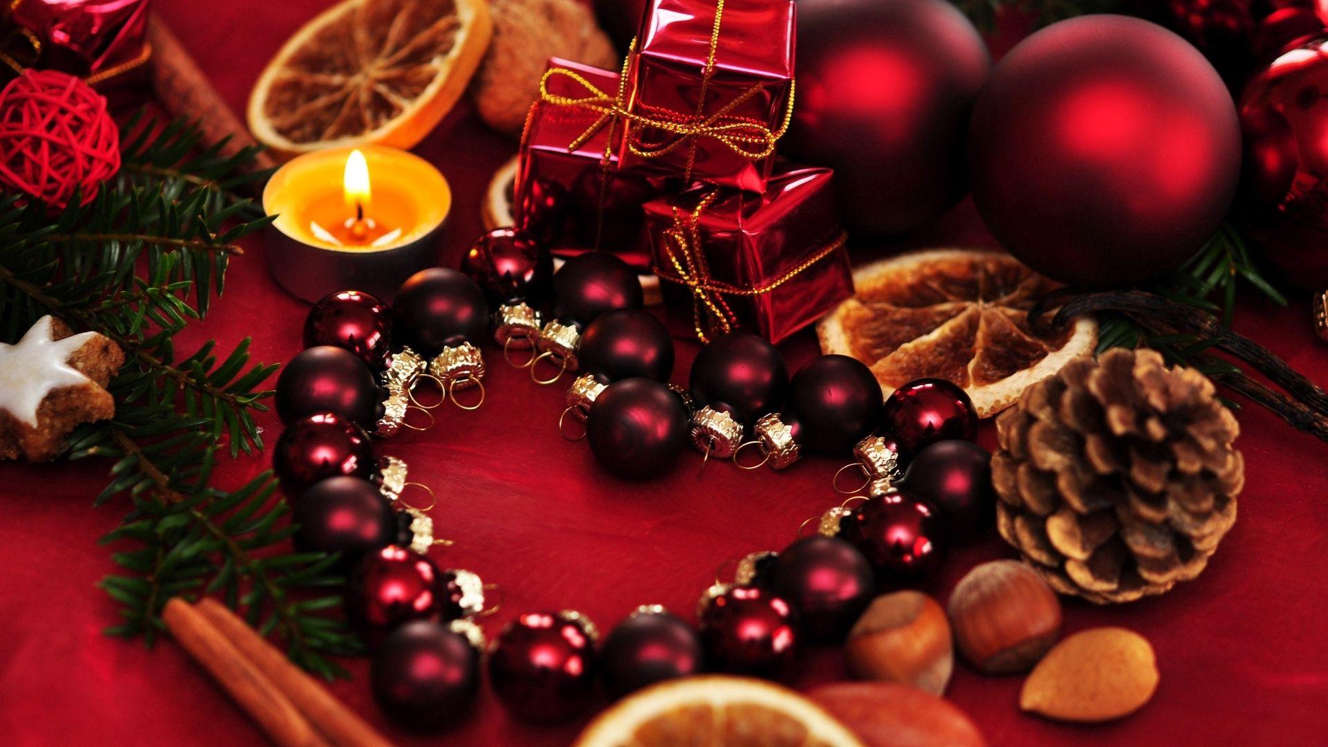 112975 Hintergrundbild herunterladen Feiertage, Weihnachten, Kerzen, Urlaub, Bälle, Die Geschenke, Geschenke - Bildschirmschoner und Bilder kostenlos