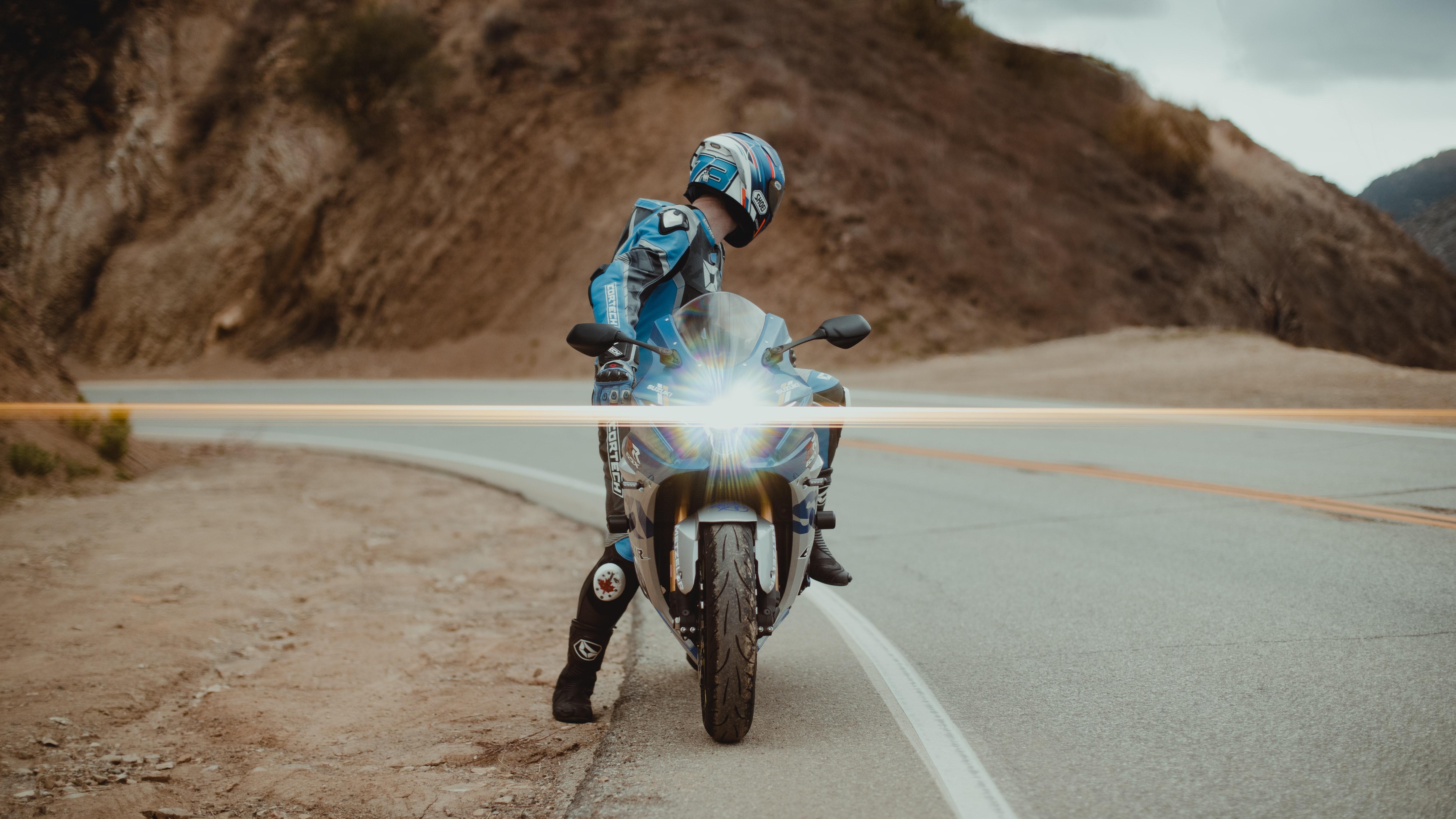151011 Заставки и Обои Мотоциклы на телефон. Скачать Мотоциклы, Свет, Мотоциклист, Мотоцикл, Байк, Спортбайк картинки бесплатно